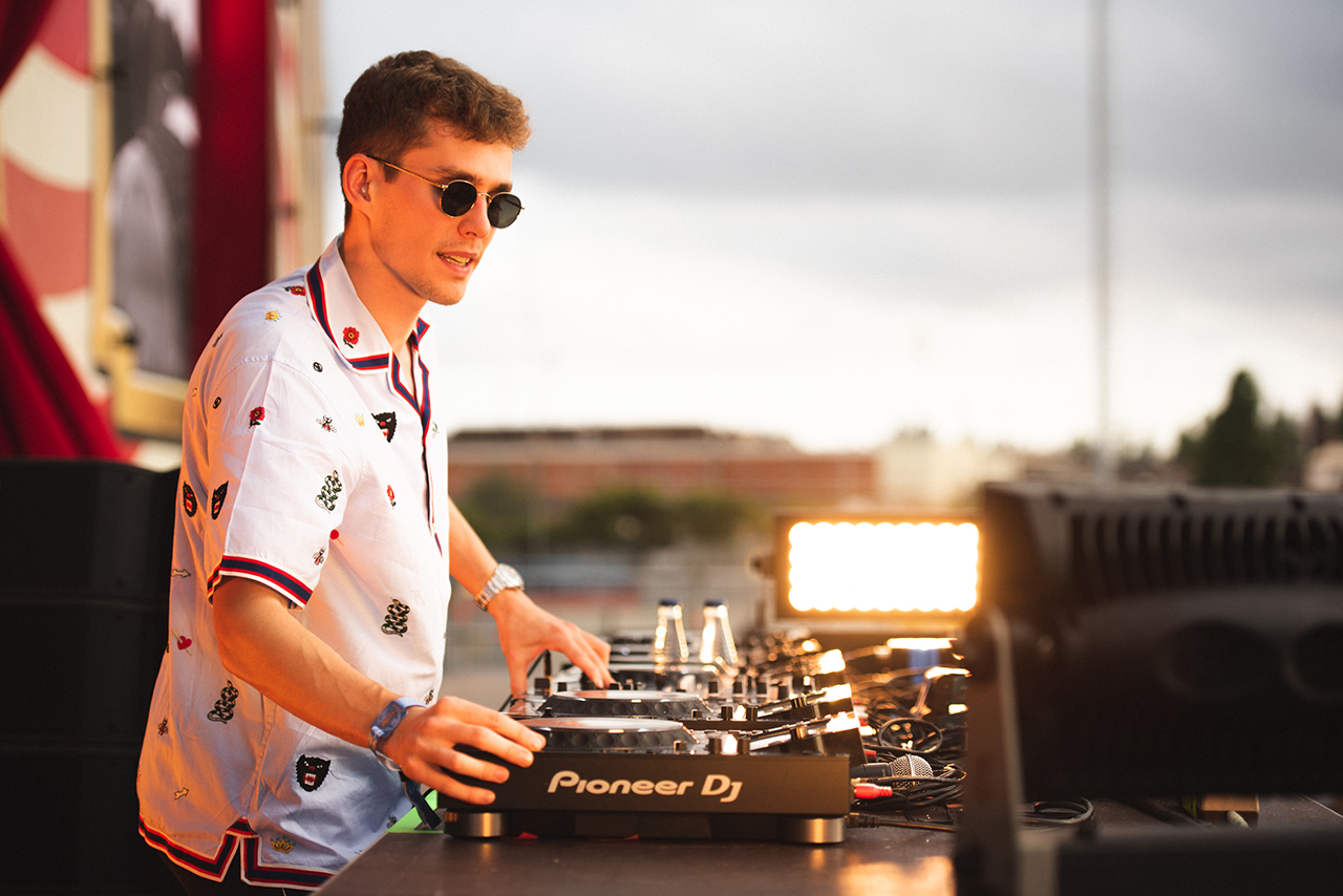 UNITE-with-tomorrowland-barcelona-lost-frequencies-5.jpg
