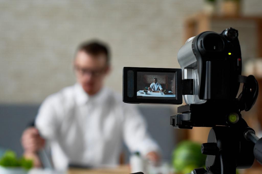 studio-lmh-la-maison-hubert-video-media-film.jpg