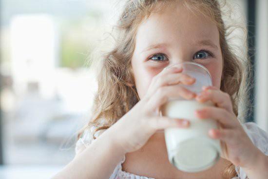 Fille lait.jpg
