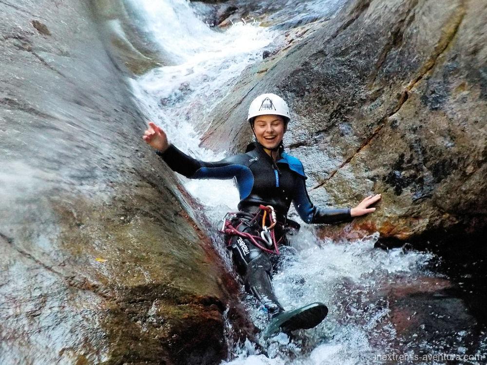 canyon-gourg-des-anelles-toboggan-1-1.jpg