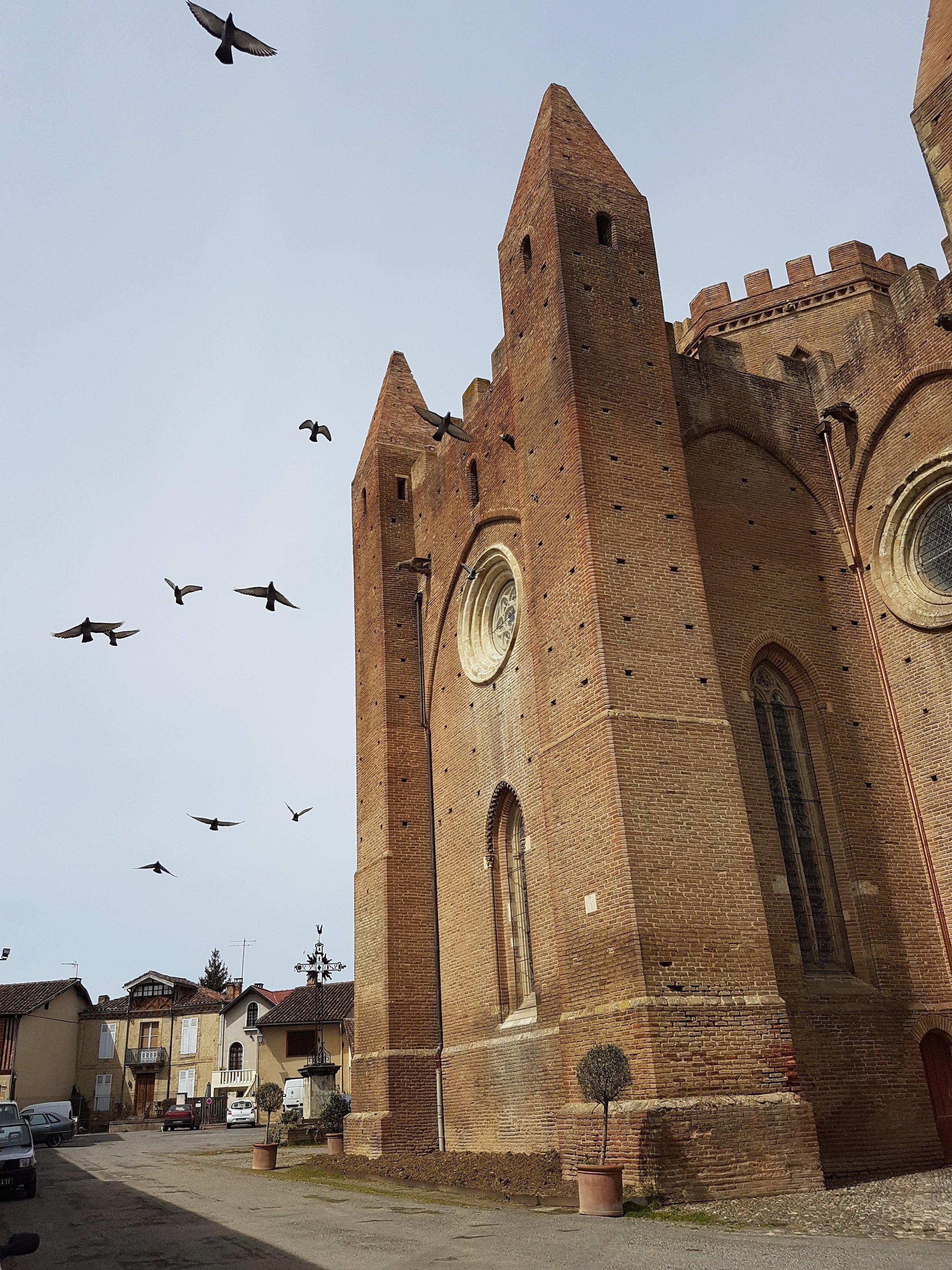 église fortifiée loisirs.jpg