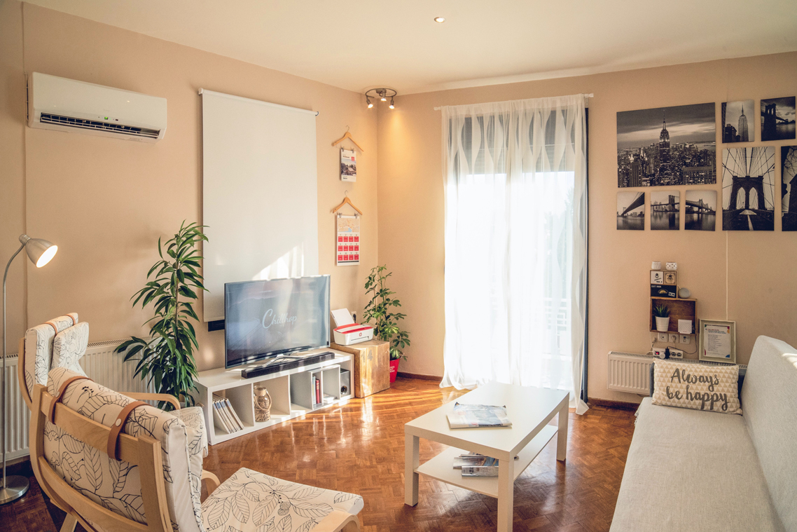 Why waste money on an expensive hotel room when you can feel at home with airbnb