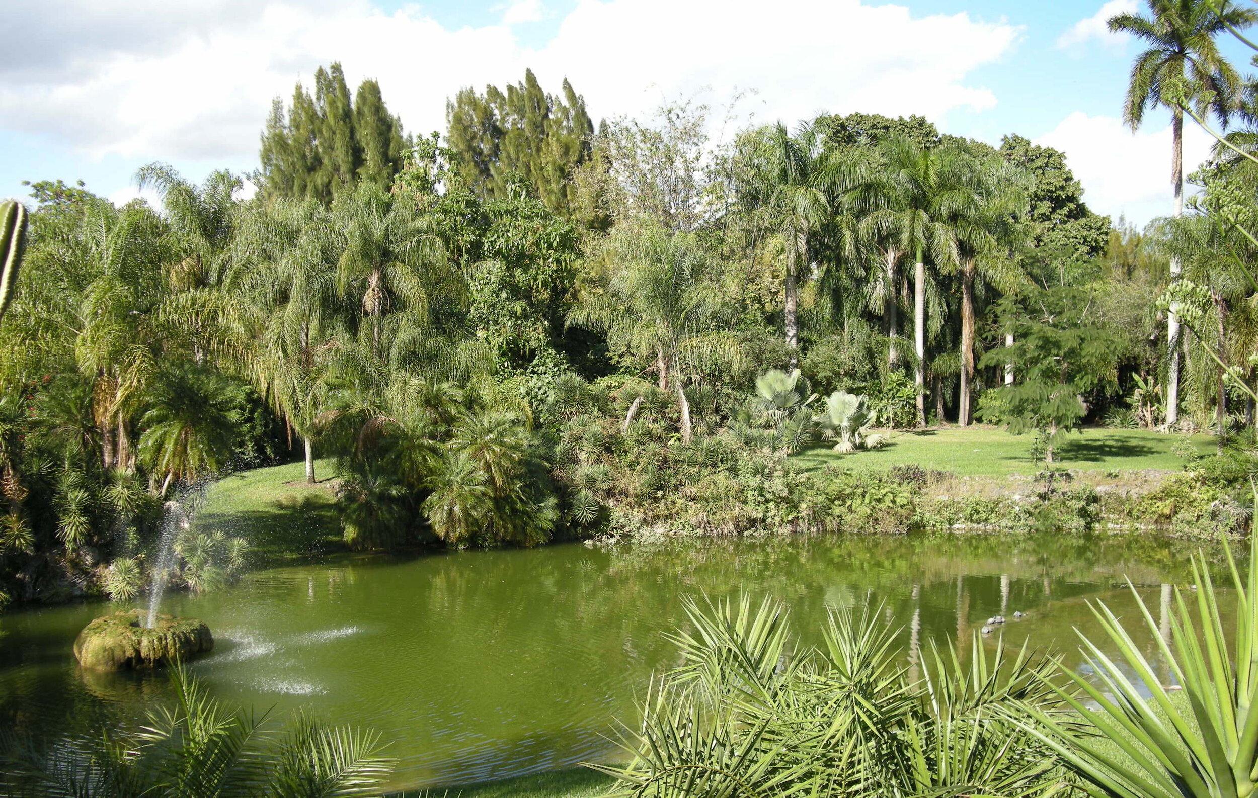 Pinecrest gardens & Fresh Market