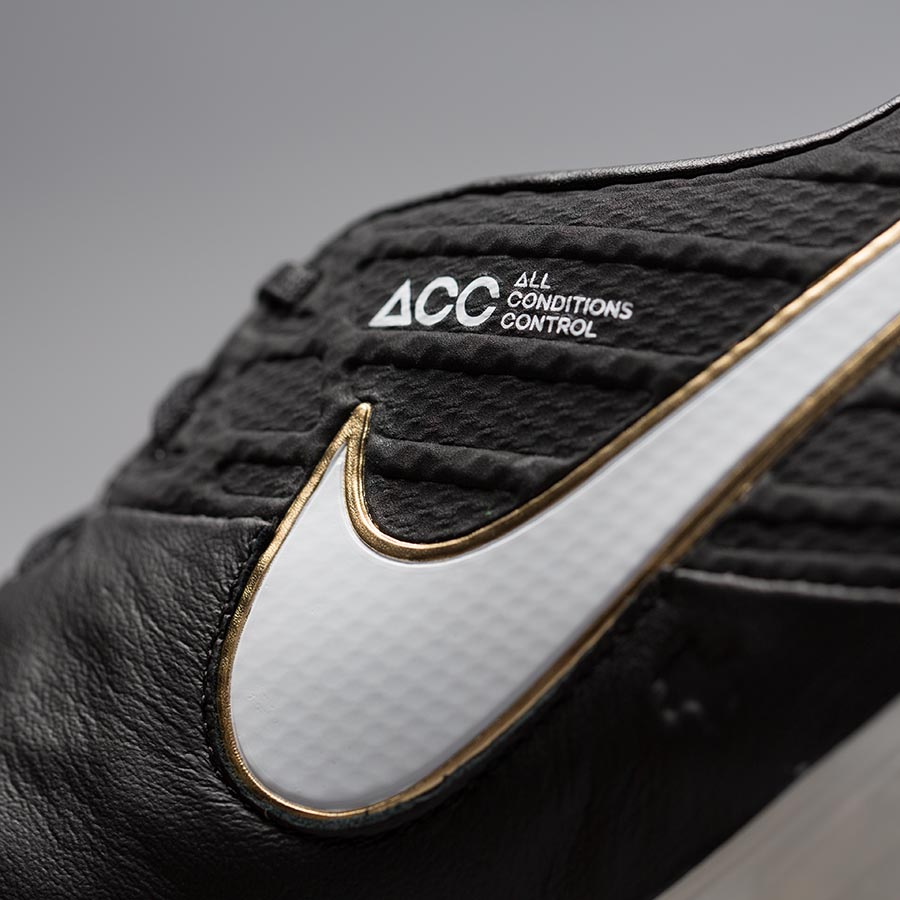 Nike Football Boot 4.jpg