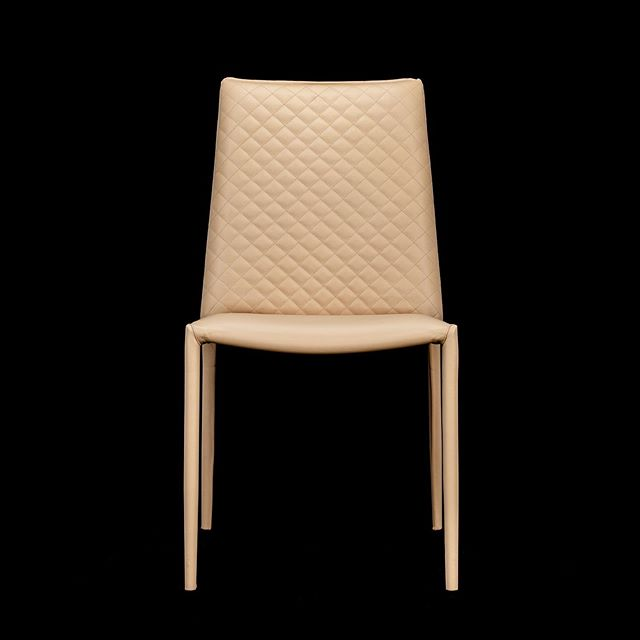 #Cheltenhambusiness #Ecommerce Furniture Photography. .  #cheltenhambusiness #photoshootday #cream #seating #set #finalimage #lifestyle #product #chair #blackground #studio #gloucestershirebusiness #furniture #setdesigns #luxury #digitalcontent
