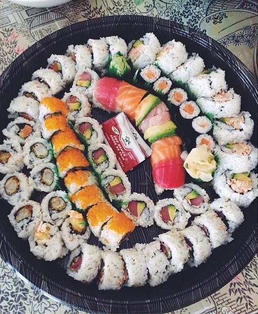 Tensuke Sushi Tray