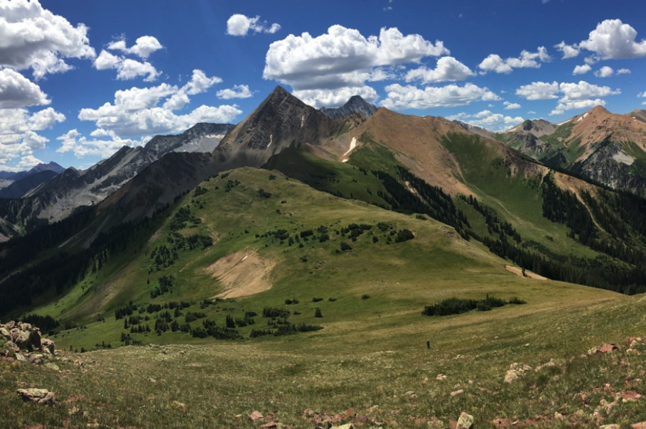 Best hiking trails for backpacking in colorado (#2 ranking, Capitol creek circuit loop in Marble, colorado)