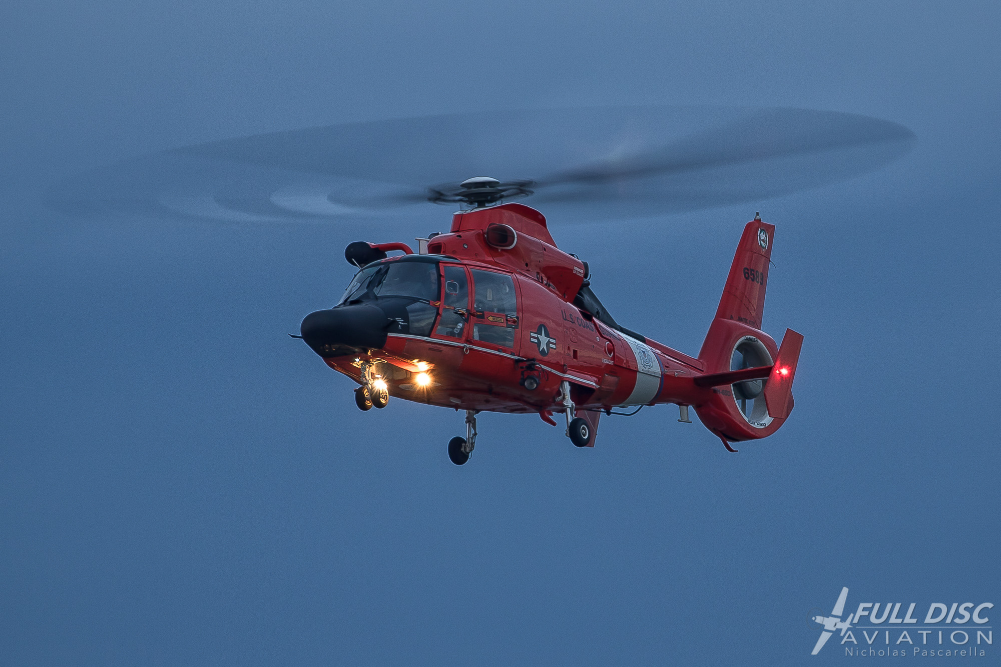 Coast Guard Chopper f/5.6, 1/15, ISO 100, a first shooting for a full rotor disc.