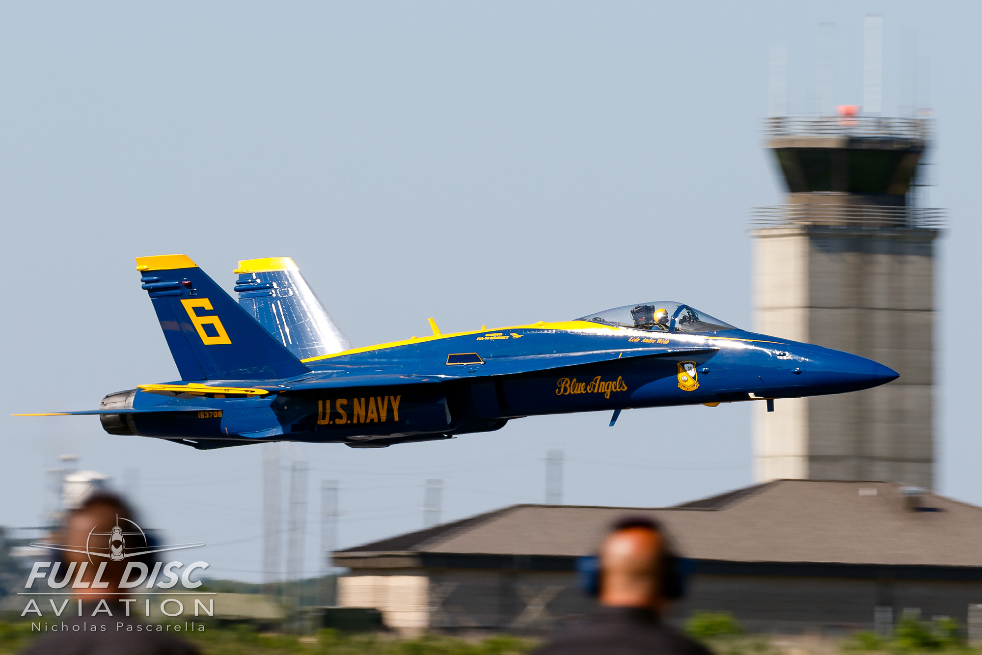 nicholaspascarella_fulldiscavation_aviation_airshow_blueangels_takeoff.jpg