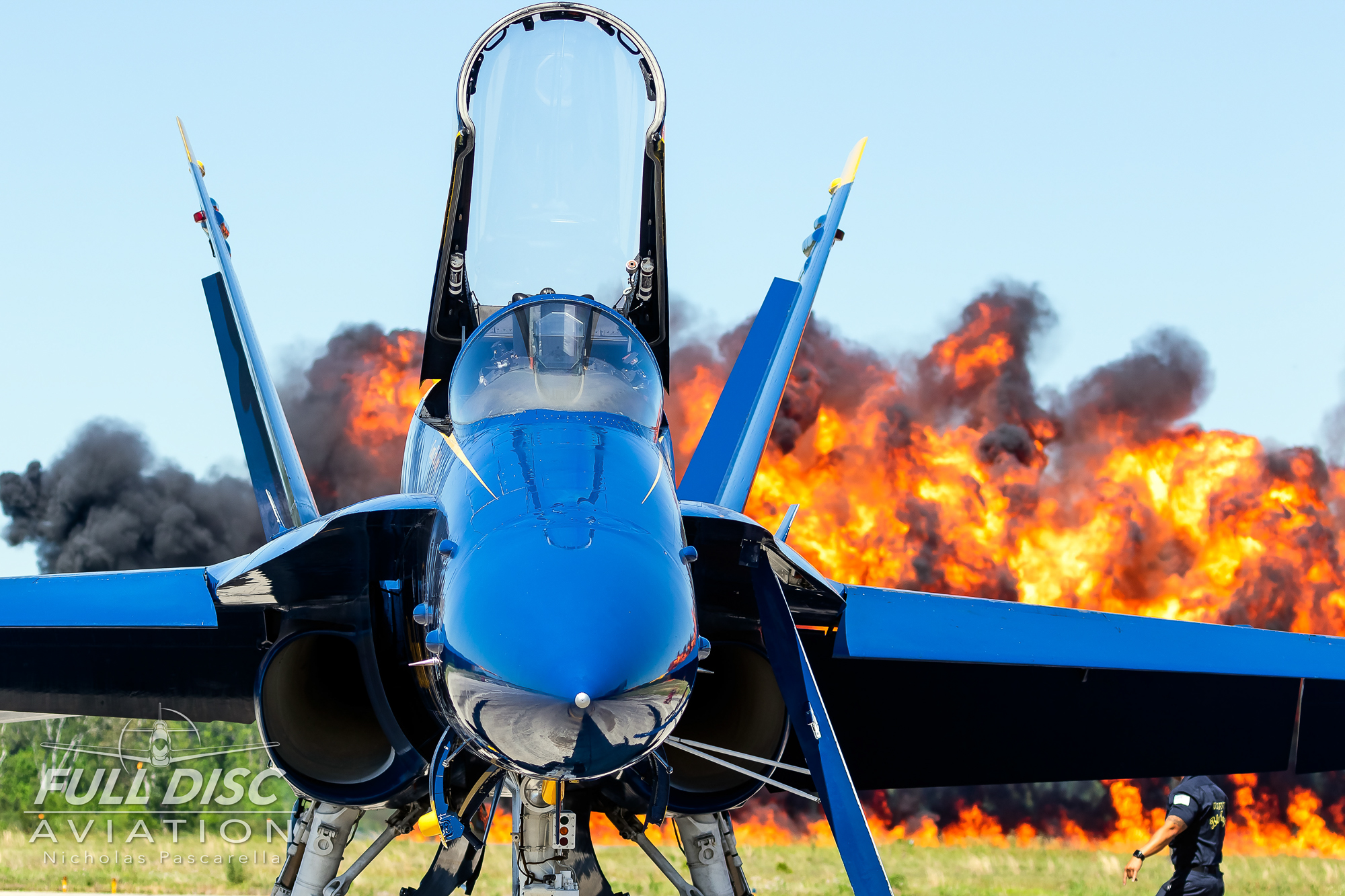 blueangels_fire_nicholaspascarella_fulldiscavation_aviation_airshow.jpg