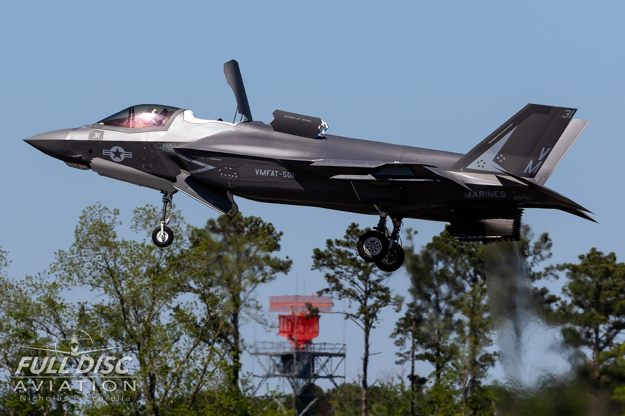 f35_f35b_hover_nicholaspascarella_fulldiscavation_aviation_airshow.jpg