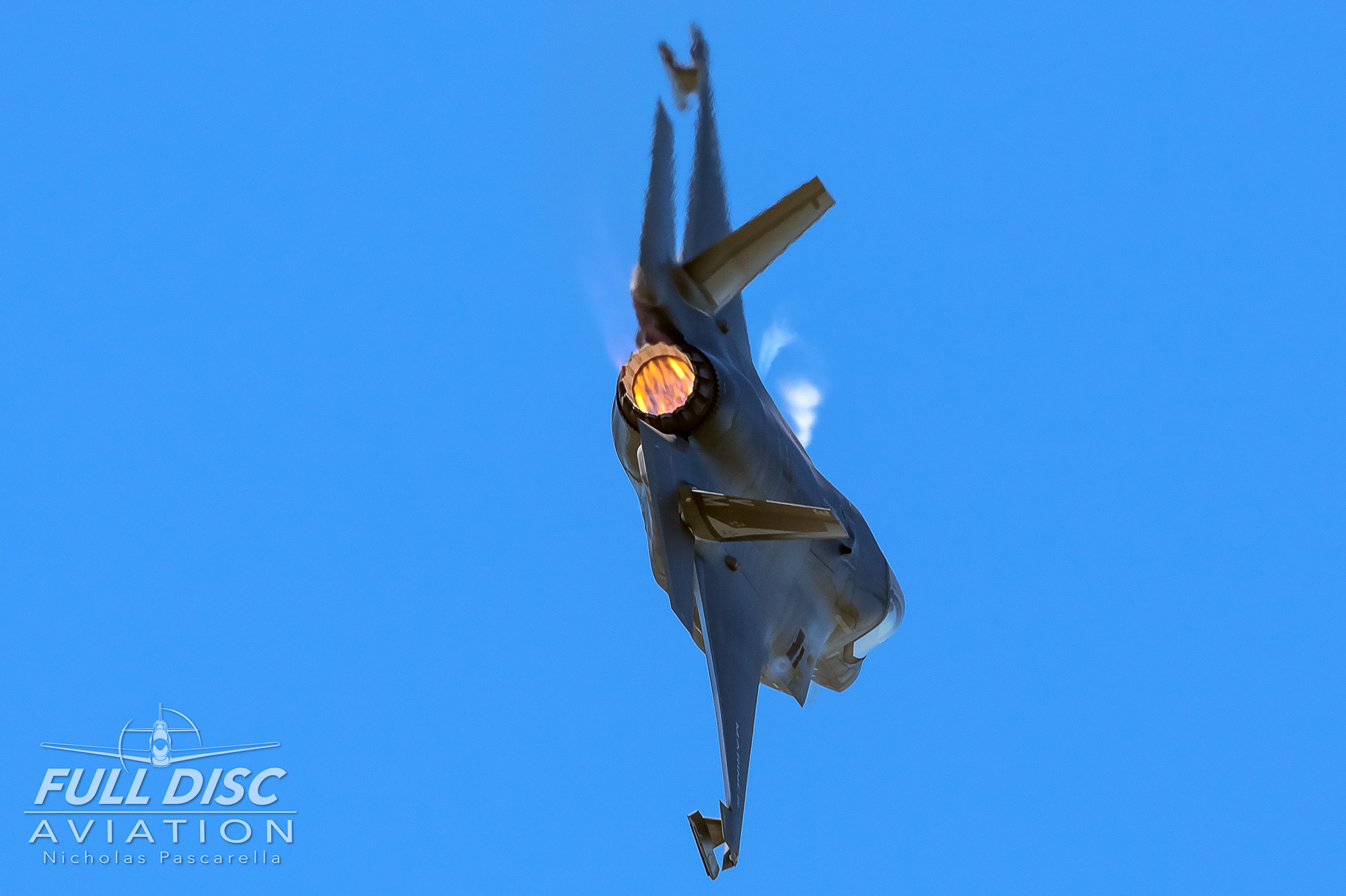 turnandburn_f35b_mcasbeaufort_nicholaspascarella_fulldiscavation_aviation_airshow.jpg