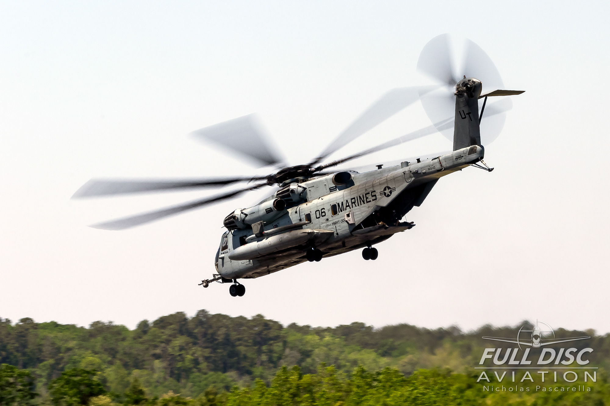 ch53_seastallion_nicholaspascarella_fulldiscavation_aviation_airshow.jpg