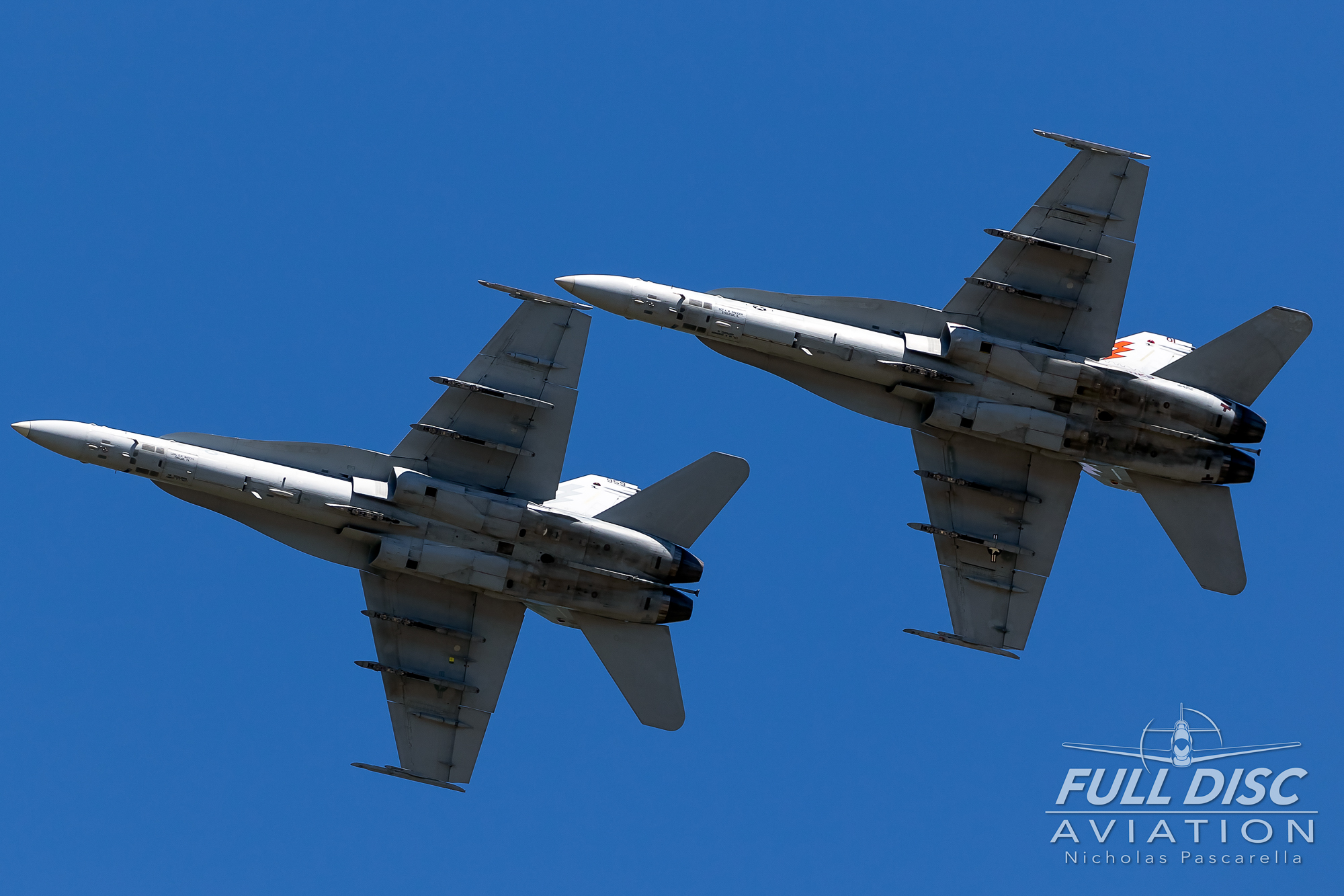 f18_f18hornets_mcasbeaufort_nicholaspascarella_fulldiscavation_aviation_airshow.jpg