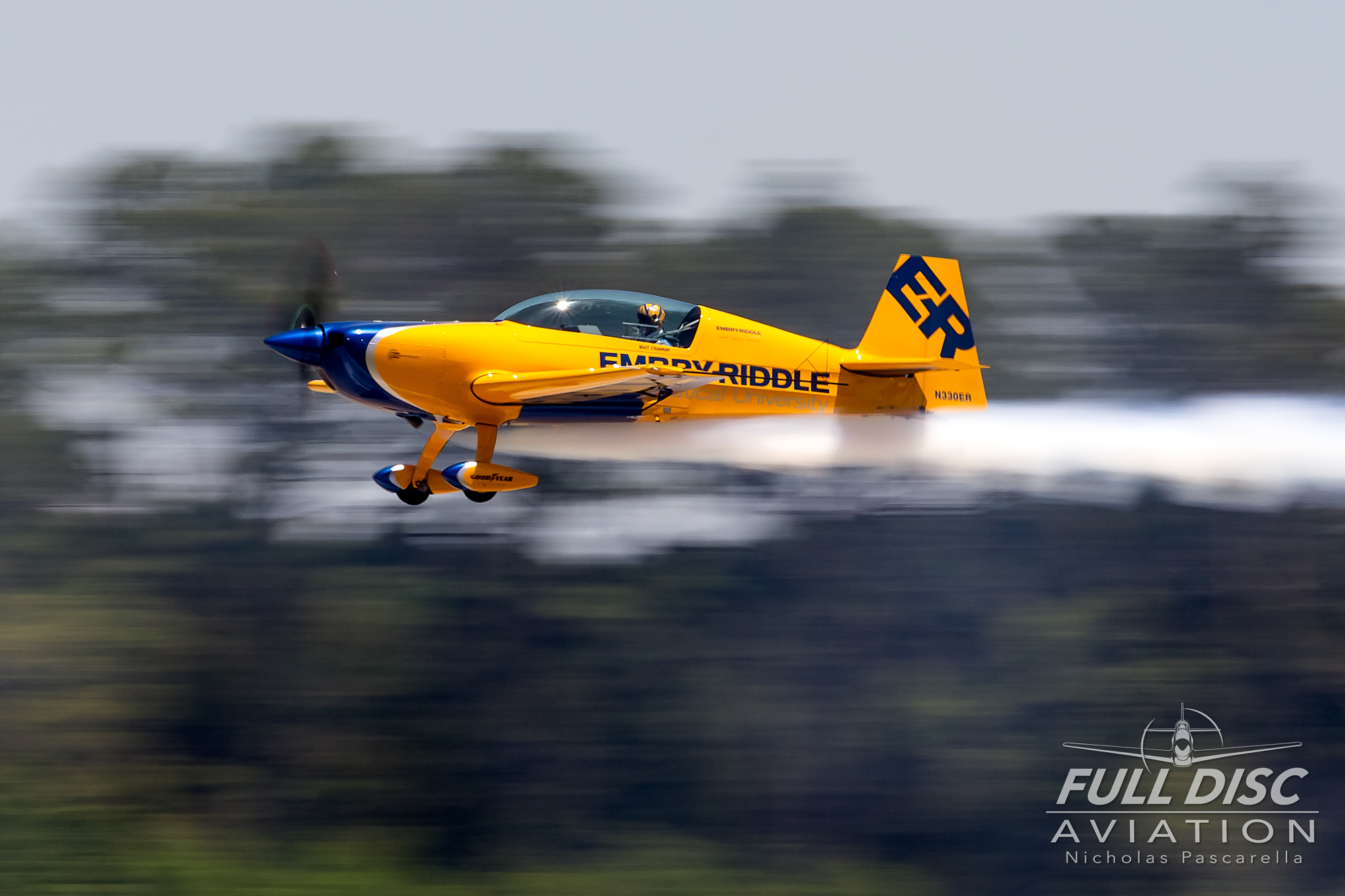 aerobatics_mcasbeaufort_nicholaspascarella_fulldiscavation_aviation_airshow.jpg