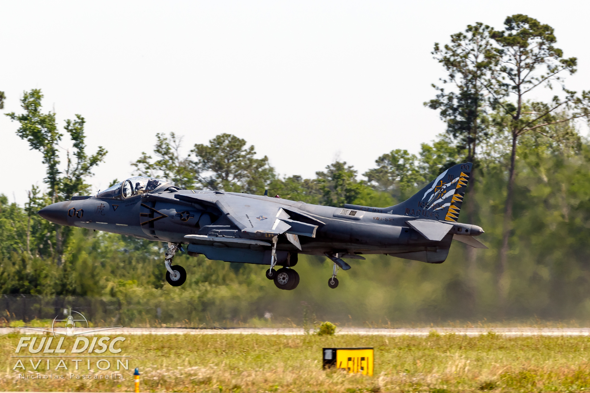 mcasbeaufort_harrier_av8b_nicholaspascarella_fulldiscavation_aviation_airshow.jpg