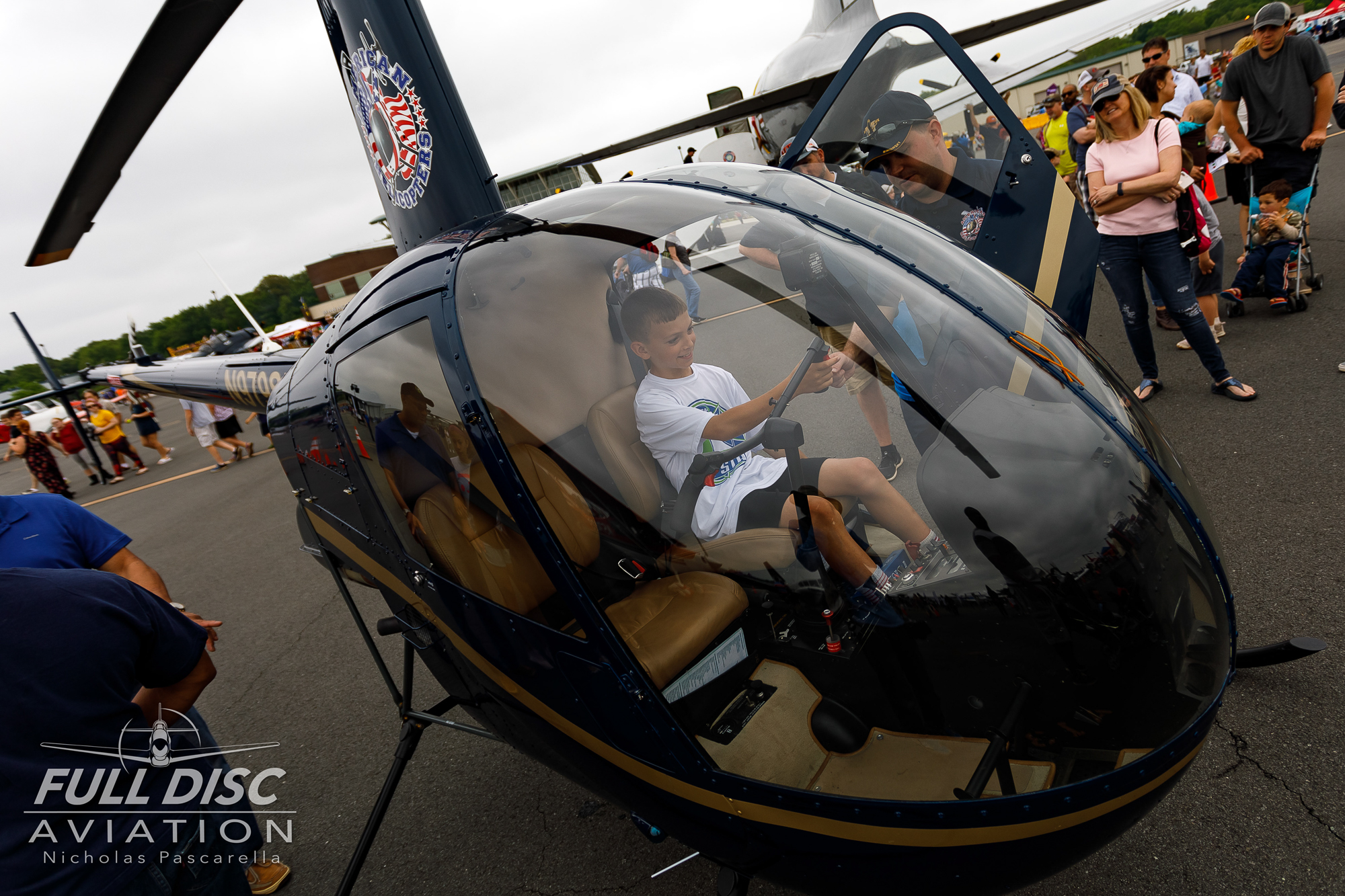 child_helicopter__aviation__nickpascarella_nicholaspascarella_fulldiscaviation_leasewebmanassasairshow.jpg