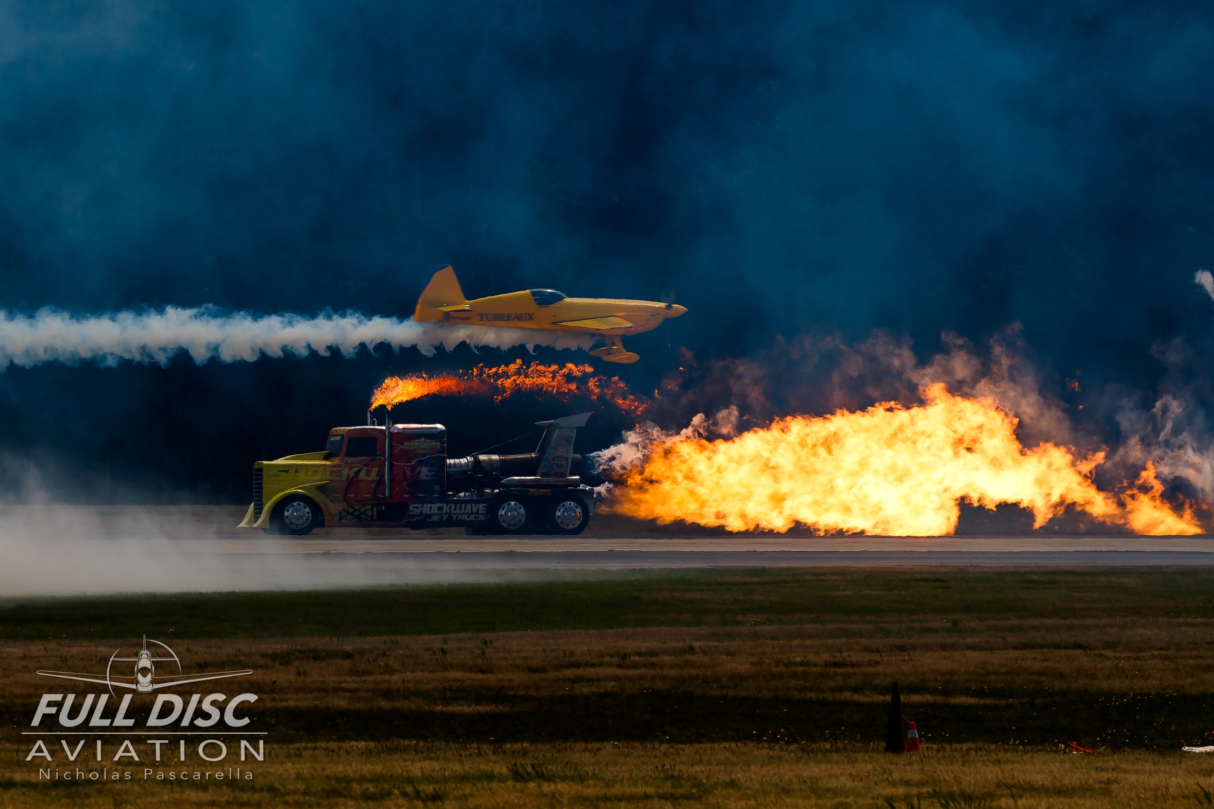 shockwavetruck_jettruck_wingsoverwayne_nicholaspascarella_fulldiscavation_aviation_airshow_crossup.jpg
