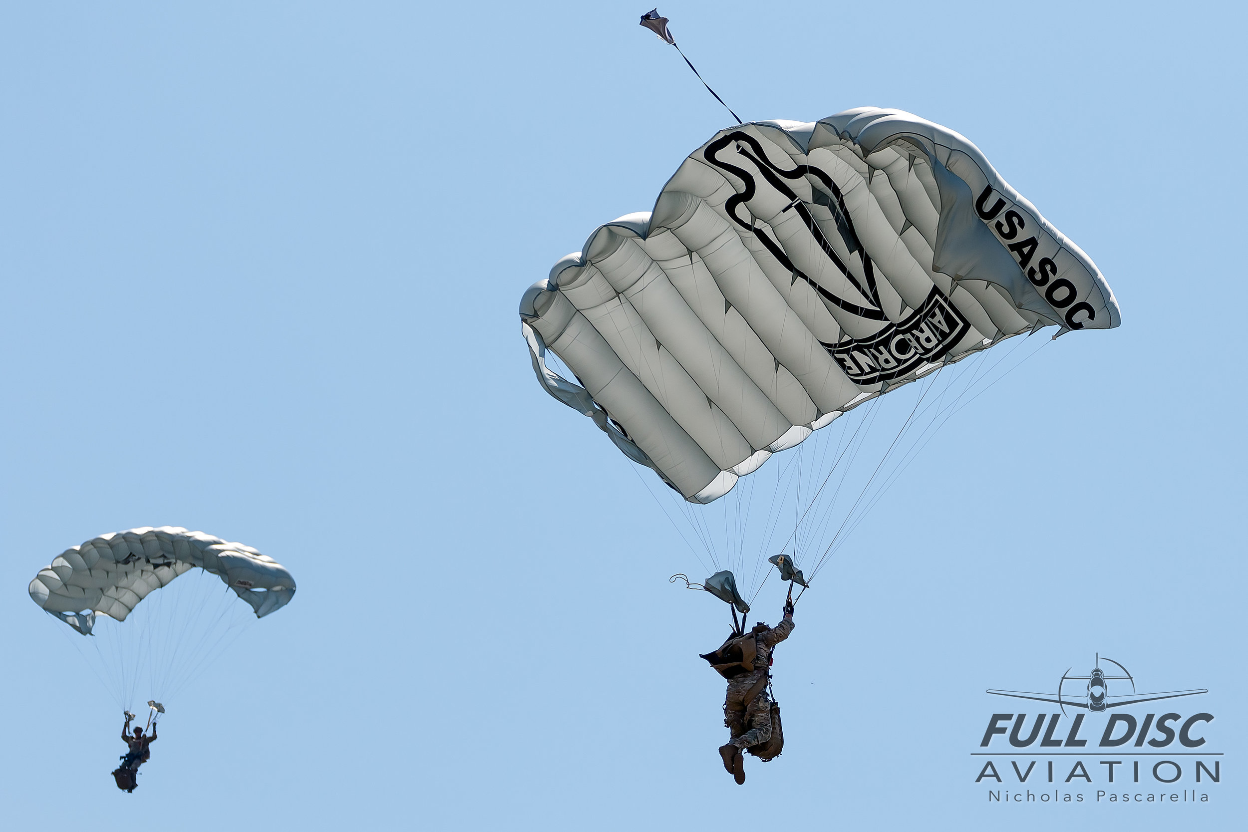 nicholaspascarella_fulldiscavation_aviation_airshow_paratroopers_wingsoverwayne_seymourjohnsonafb.jpg