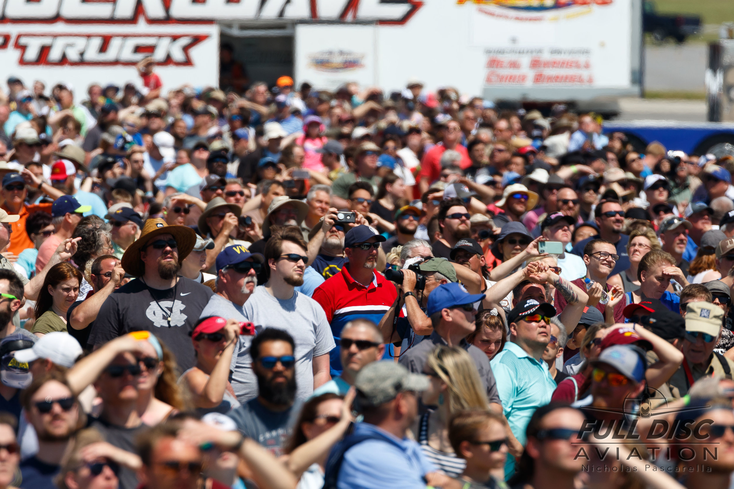 nicholaspascarella_fulldiscaviation_airshow_aviation_crowd_wingsoverwayne.jpg