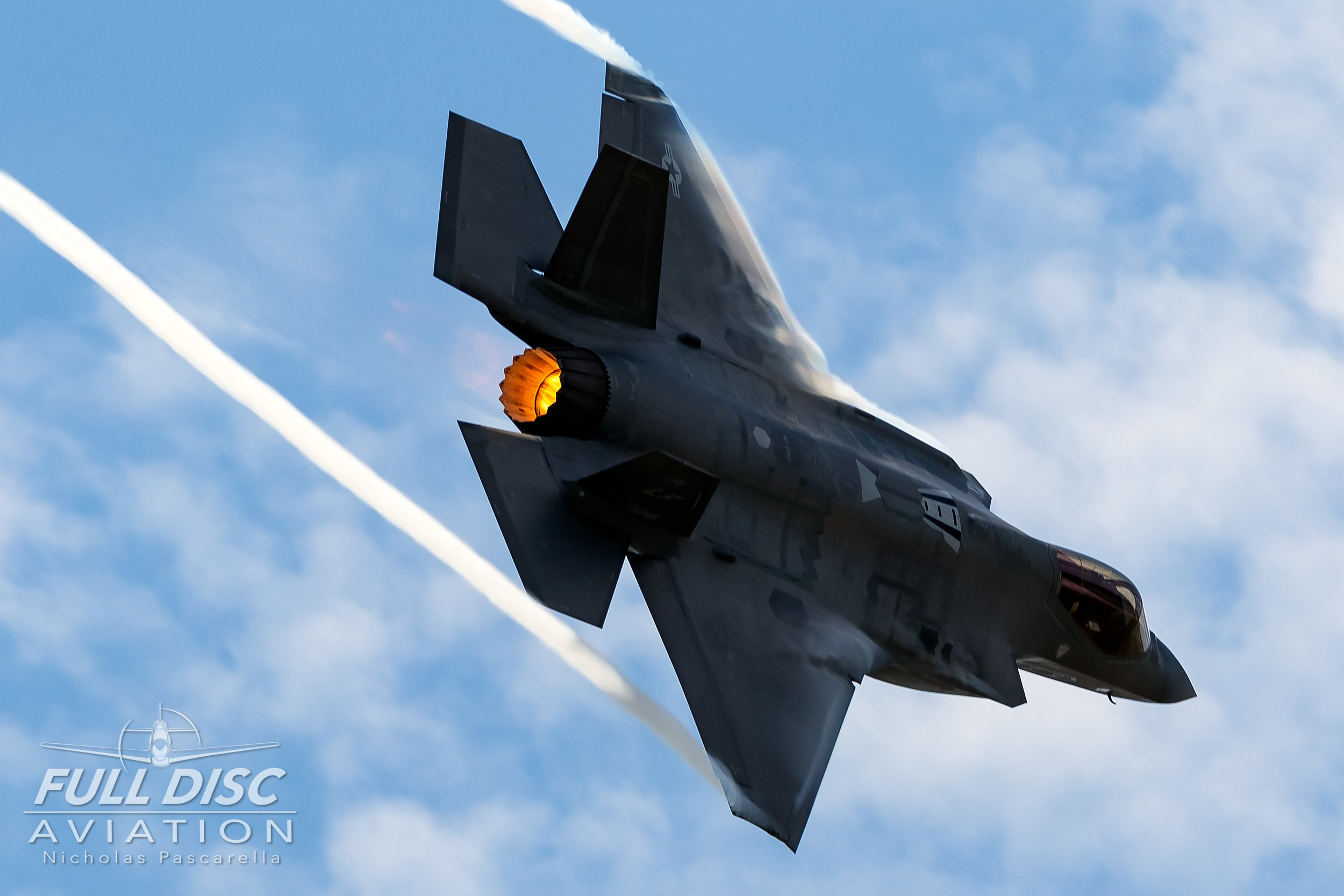 f35_turnandburn_wingsoverwayne_nicholaspascarella_fulldiscavation_aviation_airshow.jpg
