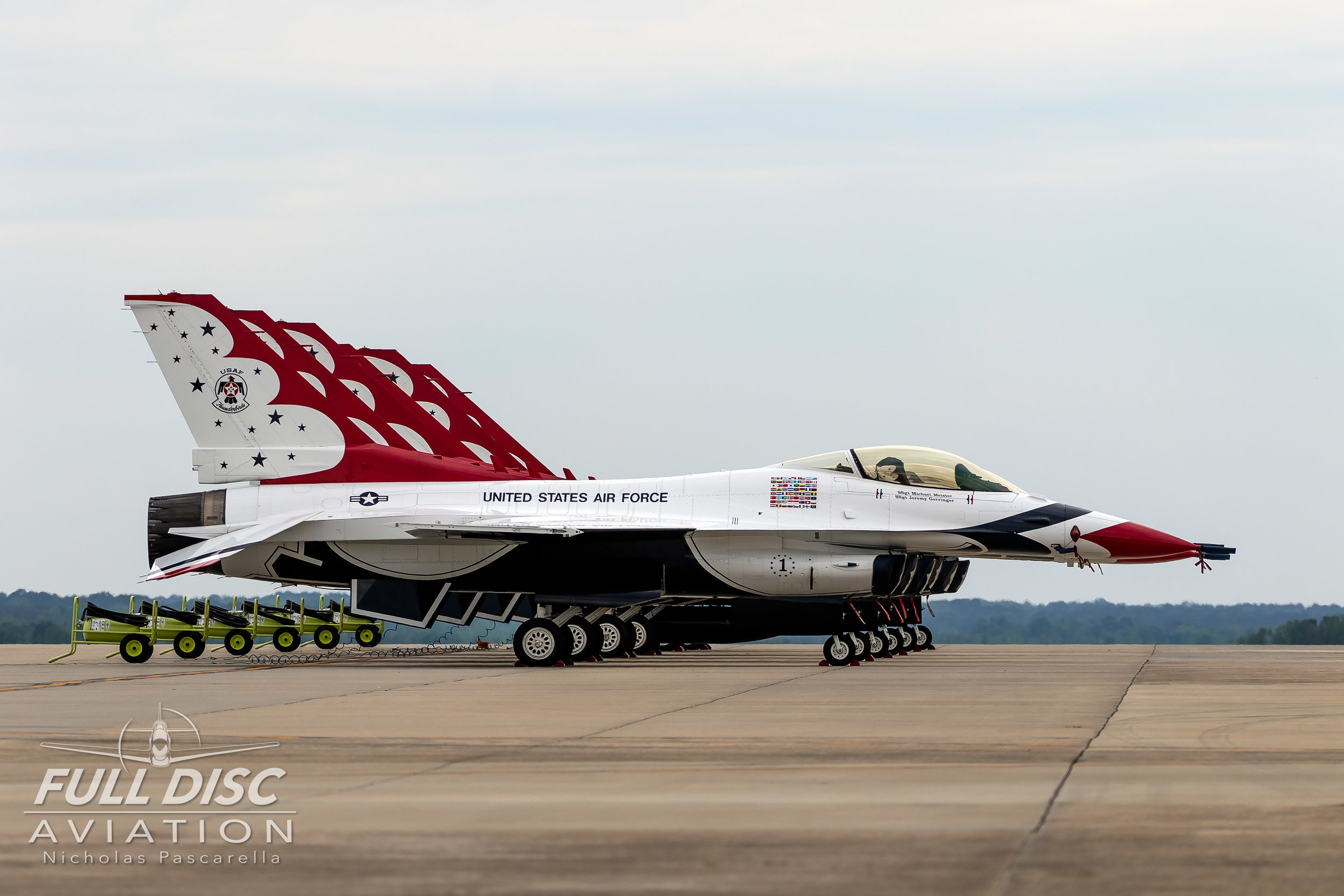 thunderbirds_lineup_wingsoverwayne_nicholaspascarella_fulldiscavation_aviation_airshow.jpg