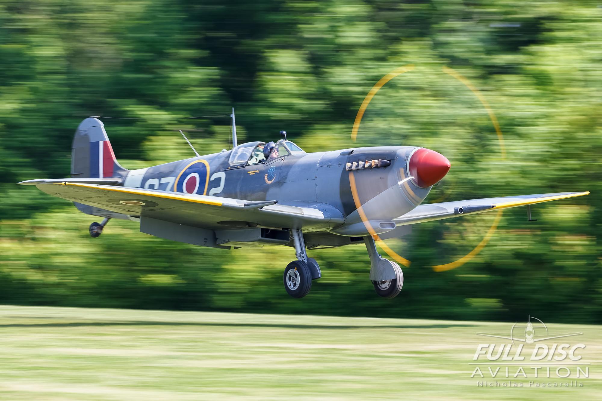 nickpascarella_nicholaspascarella_fulldiscaviation_aircraft_spitfire_landing.jpg