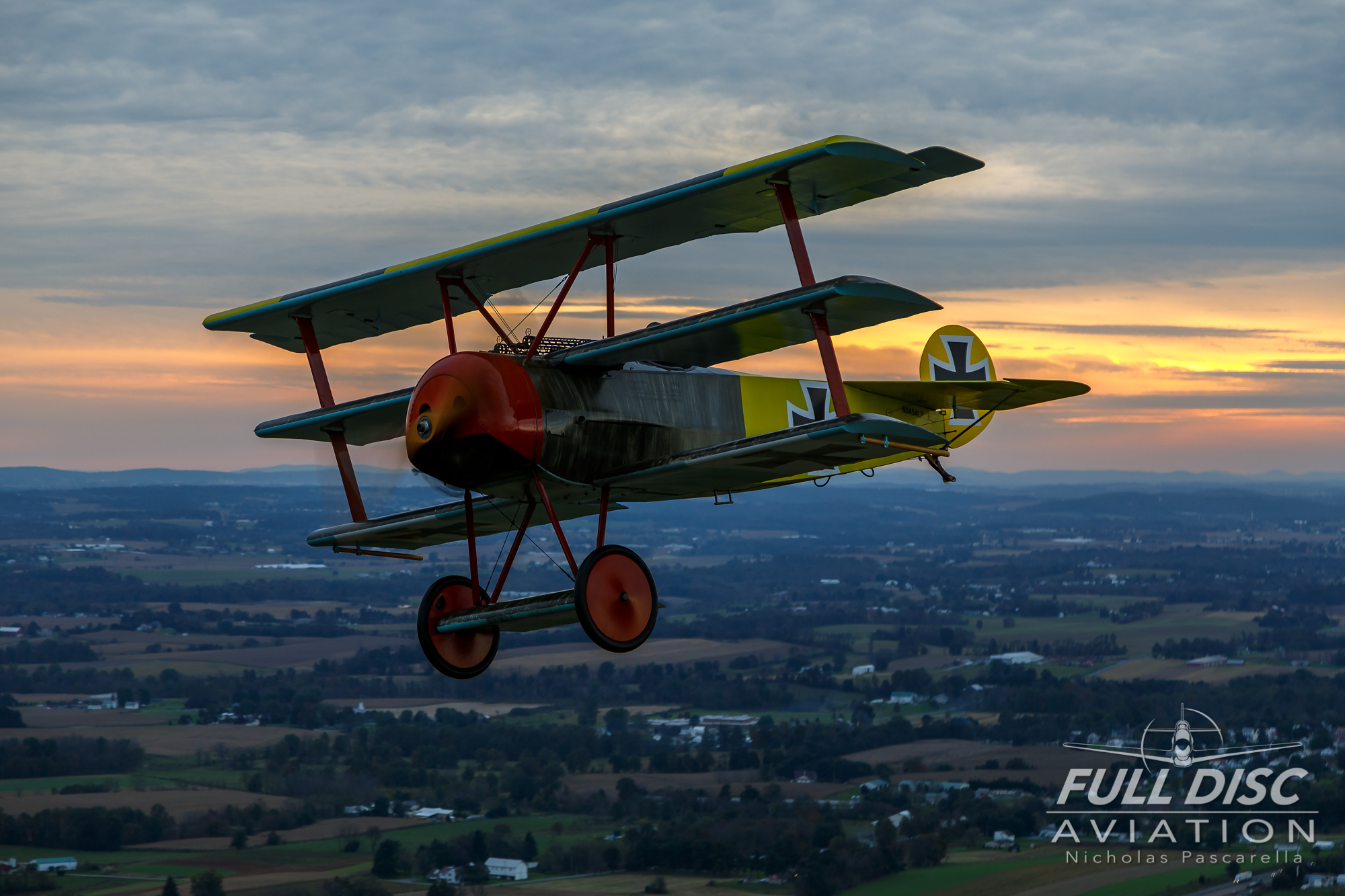 nickpascarella_nicholaspascarella_fulldiscaviation_aircraft_fokkerdr1_sunset.jpg