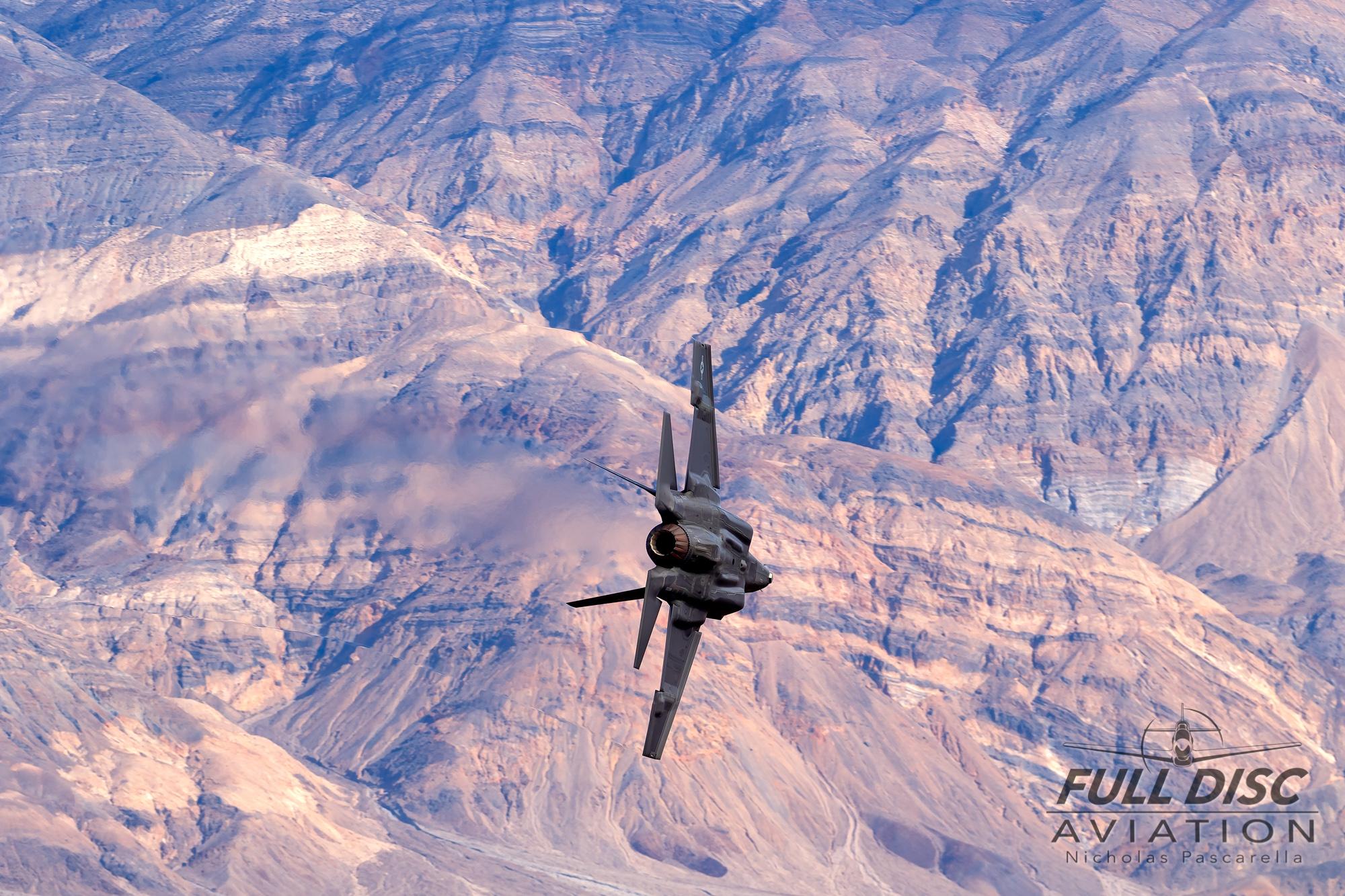 nickpascarella_nicholaspascarella_fulldiscaviation_aircraft_starwarscanyon_jeditransition_f35.jpg