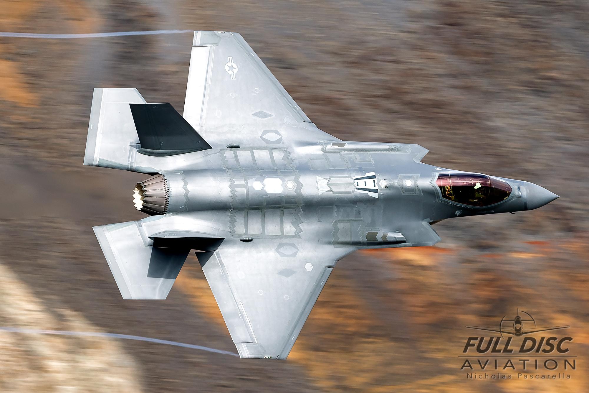 nickpascarella_nicholaspascarella_fulldiscaviation_aircraft_f35_starwarscanyon_jeditransition_ribbons.jpg