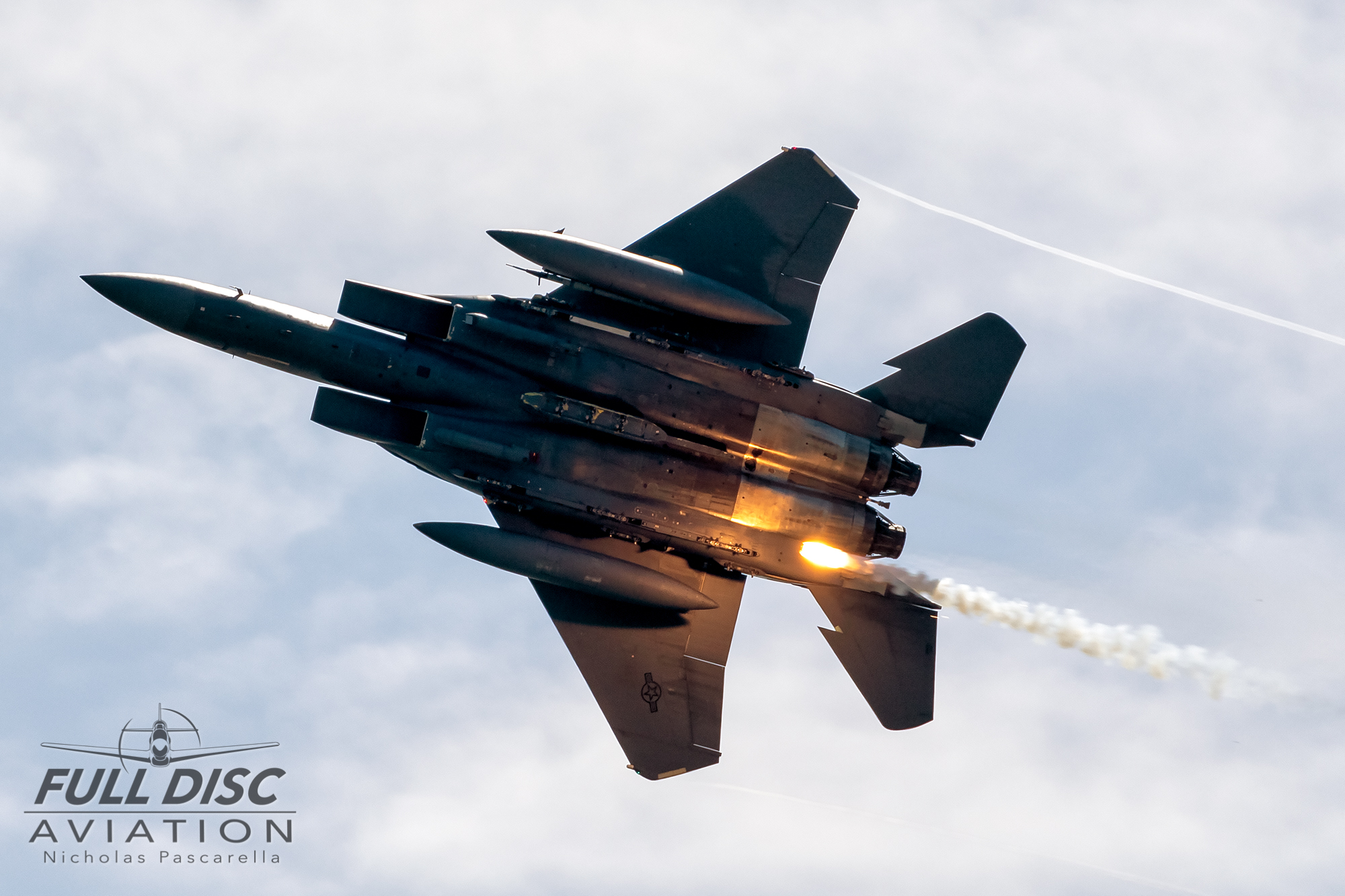nickpascarella_nicholaspascarella_fulldiscaviation_aircraft_f15_flares.jpg