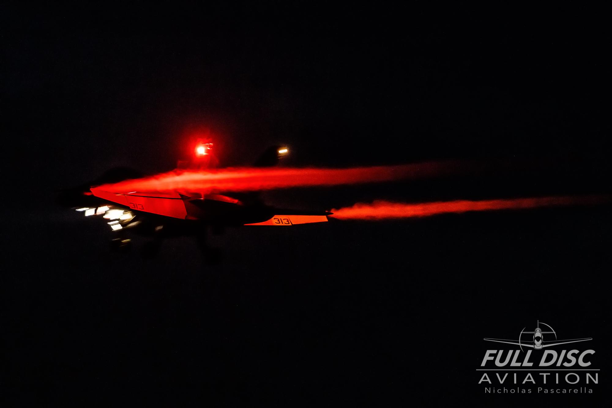 nickpascarella_nicholaspascarella_fulldiscaviation_aircraft_beacon_vapor_f18_superhornet.jpg
