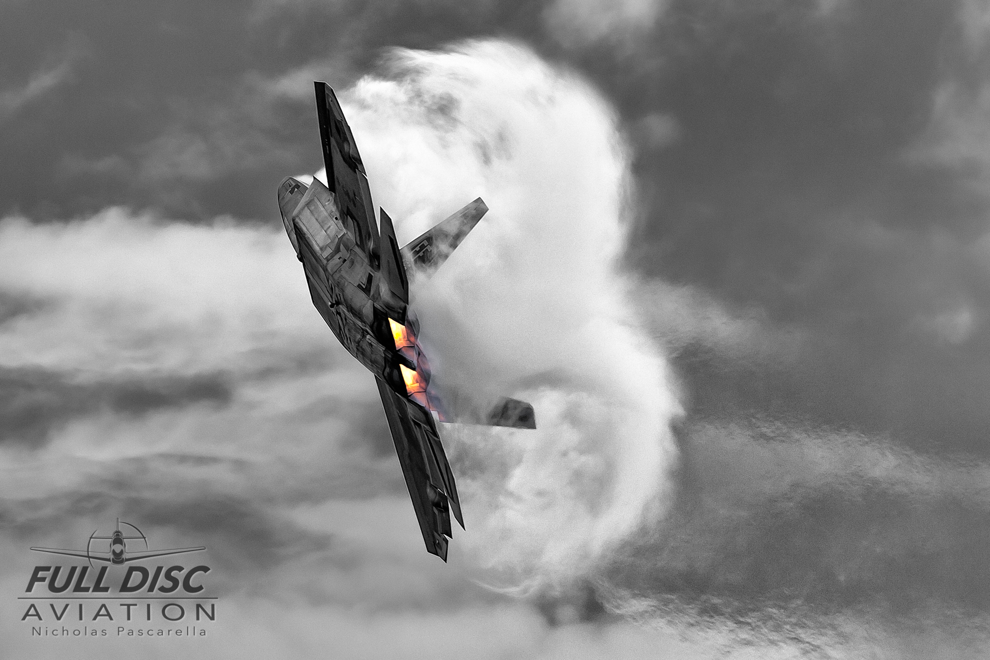 nickpascarella_nicholaspascarella_fulldiscaviation_aircraft_f22raptor_vapor.jpg