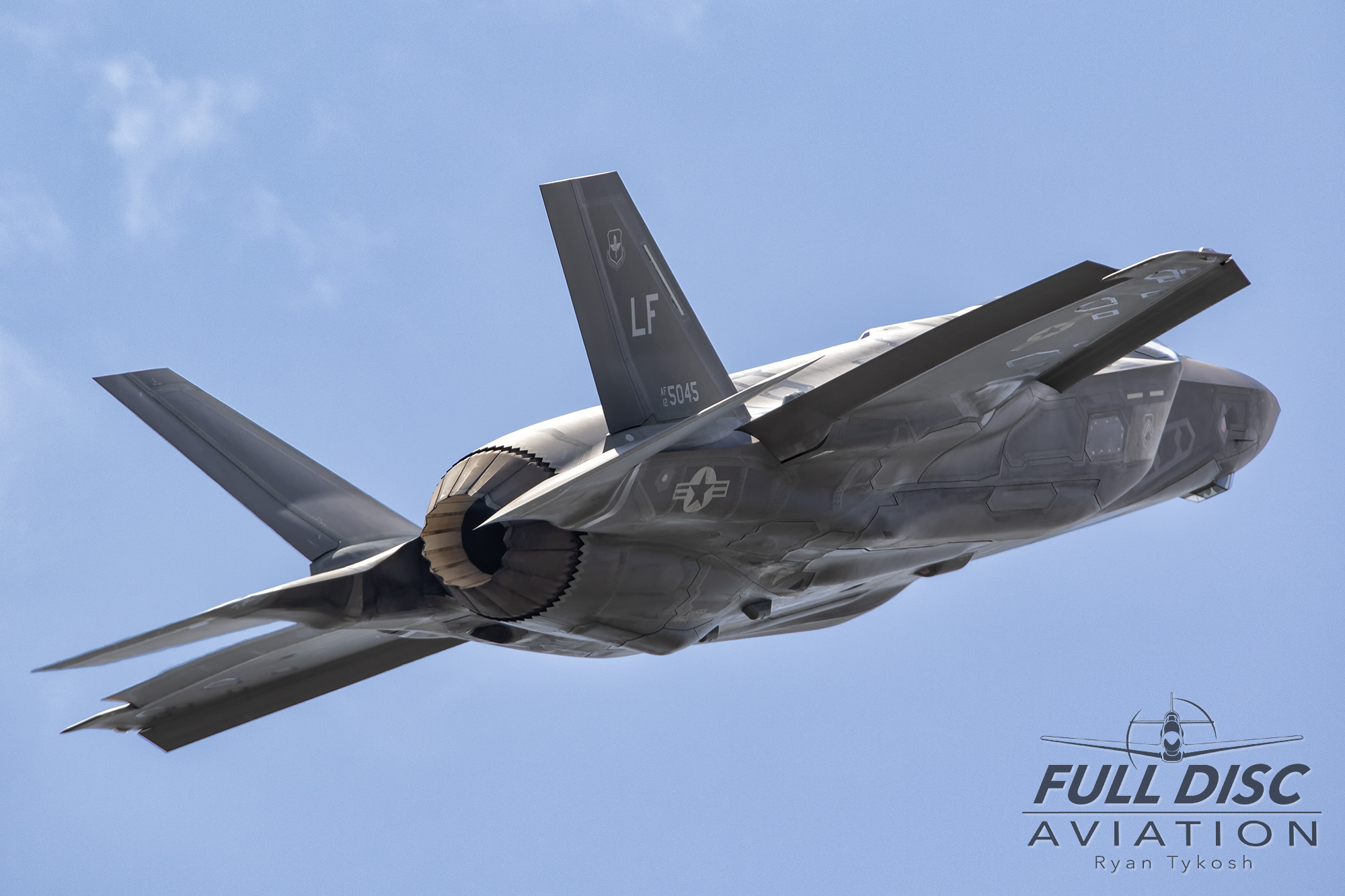 wow19-fdartykosh-f35ademo-highalphawm.jpg