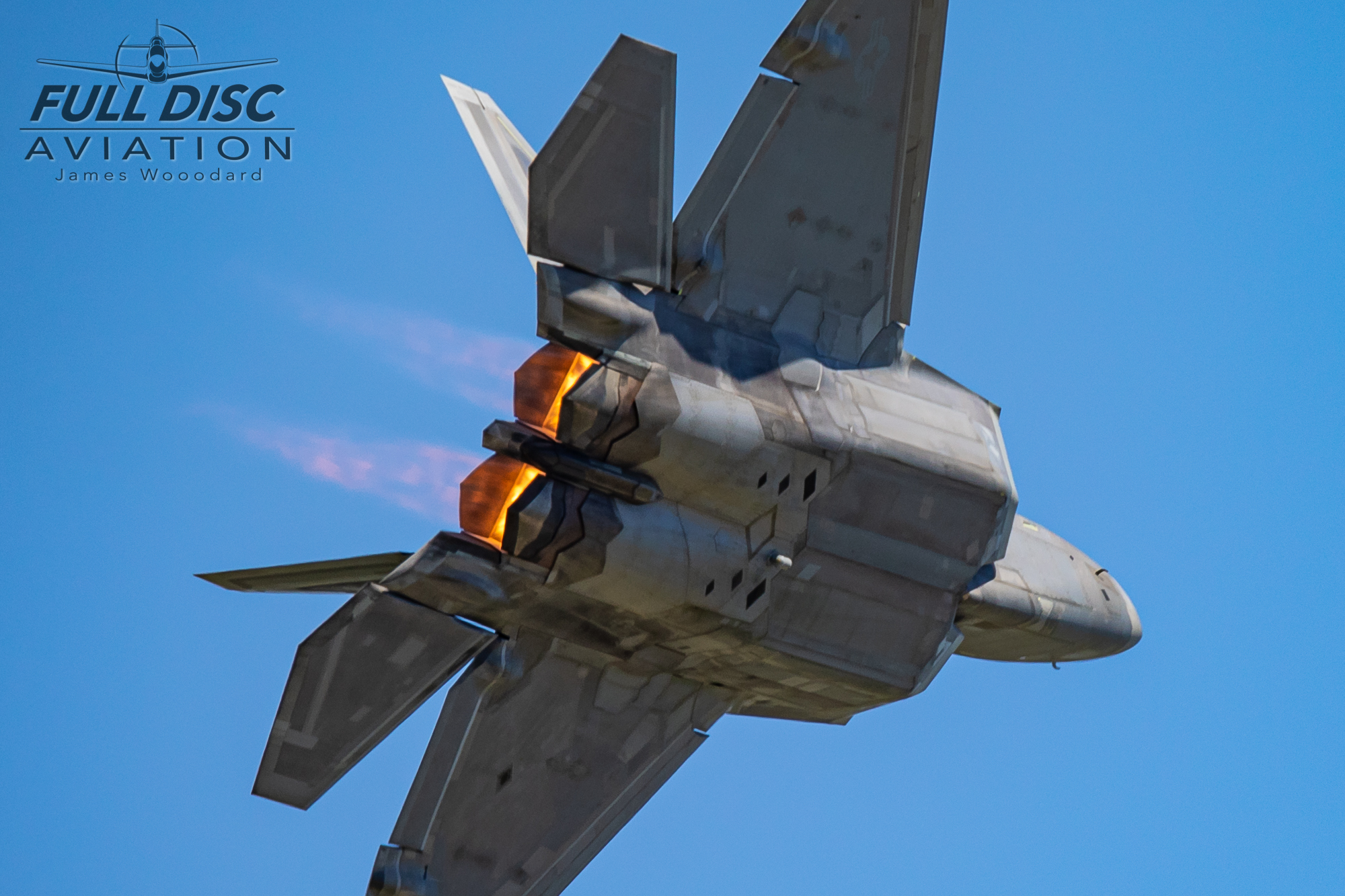 F22DemoTeam_FullDiscAviation_JamesWoodard-April 27, 2019-14.jpg