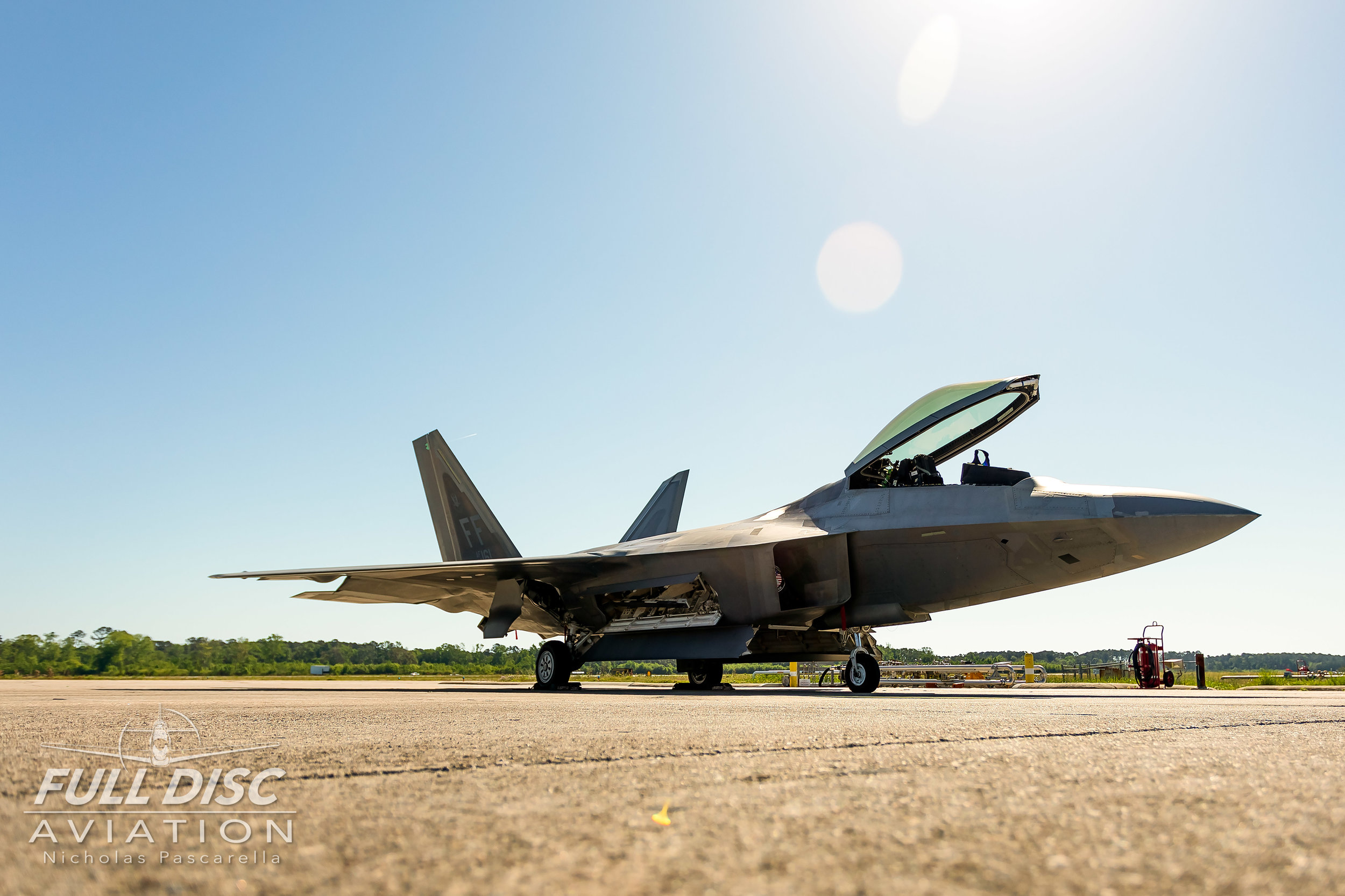 f22_flightline_fulldiscaviation_fighterjet_nickpascarella_nicholaspascarella.jpg