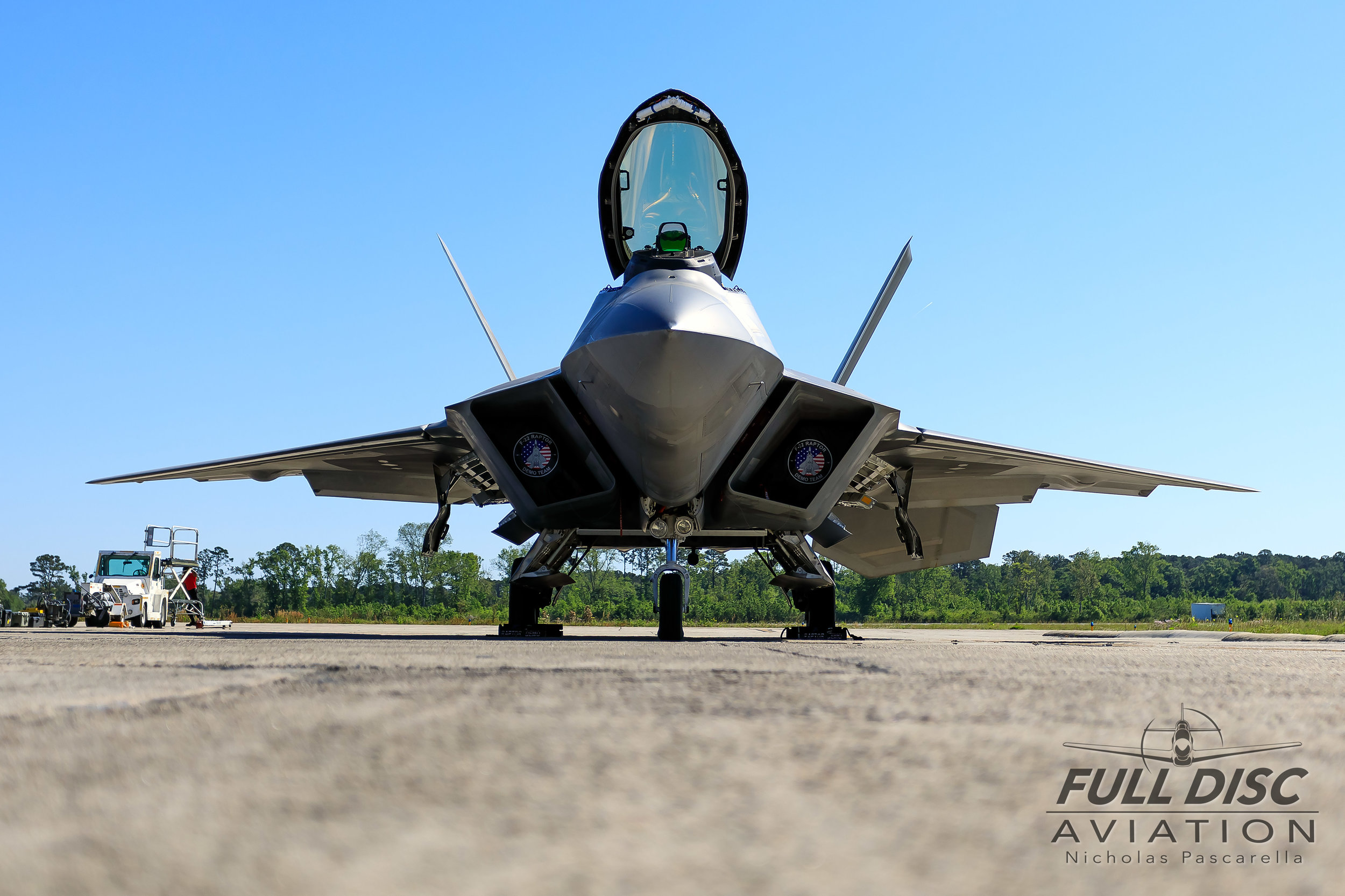 f22_headon_wormseye_f22demoteam_fulldiscaviation_nickpascarella_nicholaspascarella.jpg