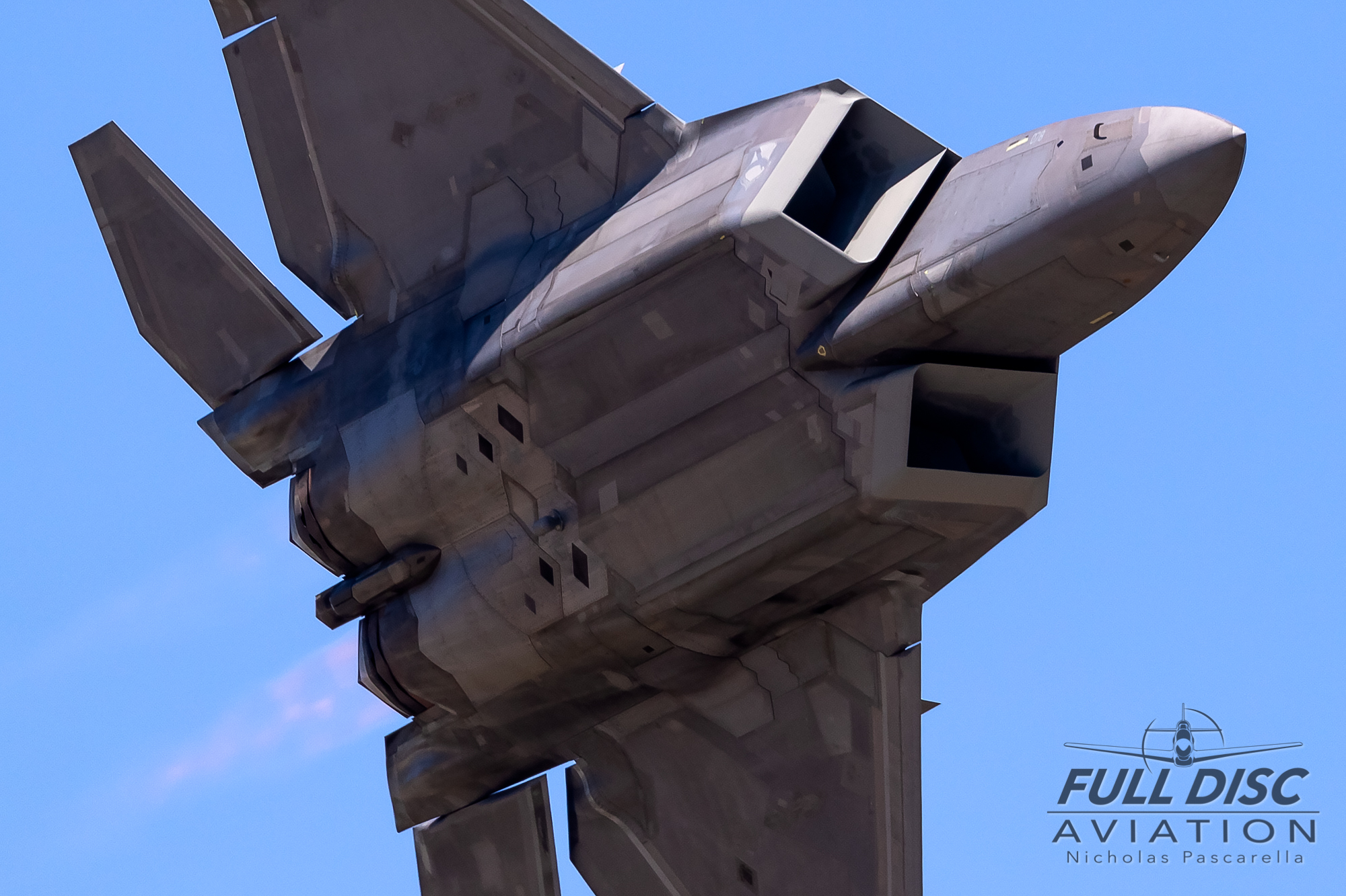 f22_underbelly_burners_turnandburn_nickpascarella_fulldiscaviation.jpg