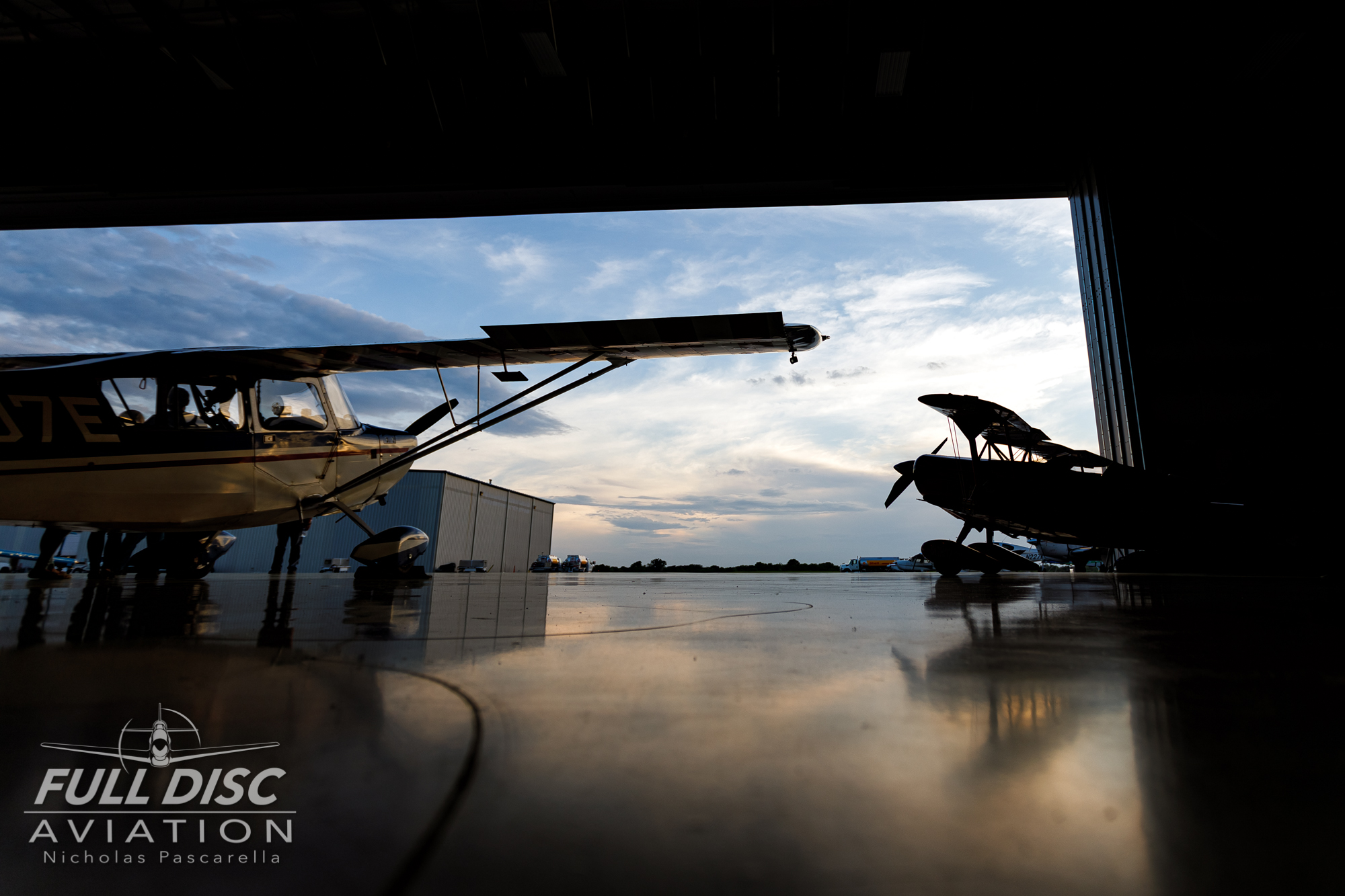 chefpitts_rjgritter_nickpascarella_fulldiscaviation_hangar_sunset.jpg