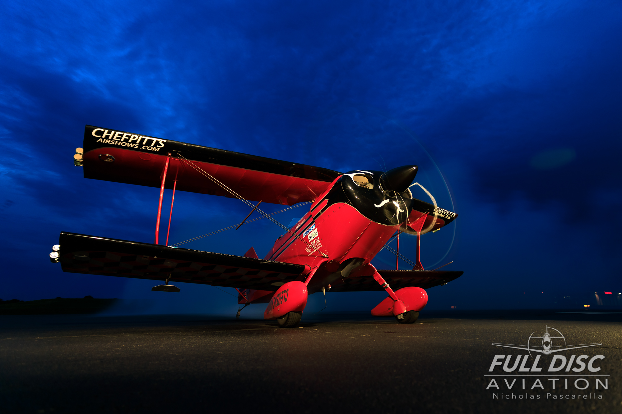 chefpitts_nightrun_nickpascarella_fulldiscaviation_biplane.jpg