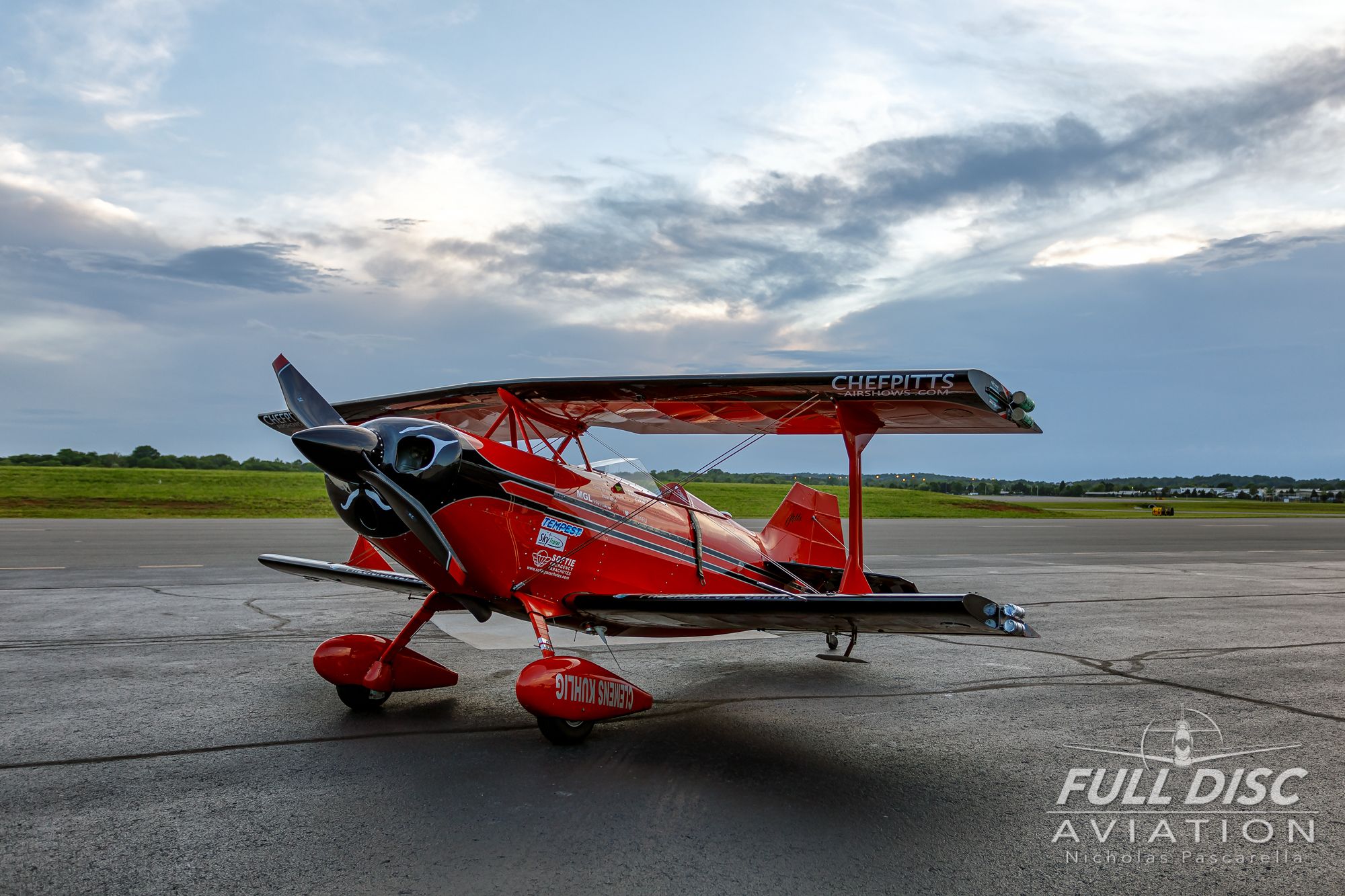 chefpitts_nickpascarella_fulldiscaviation_sunset_frontquarter.jpg