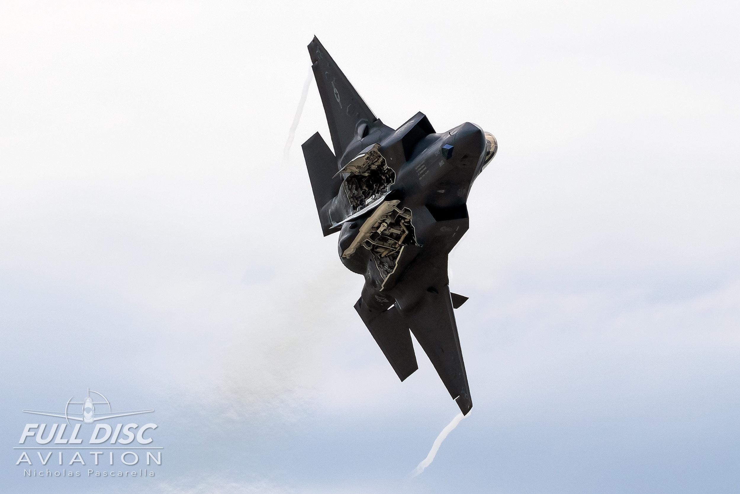 f35_weaponsbay_wingsoverwayne_nickpascarella_fulldiscaviation.jpg