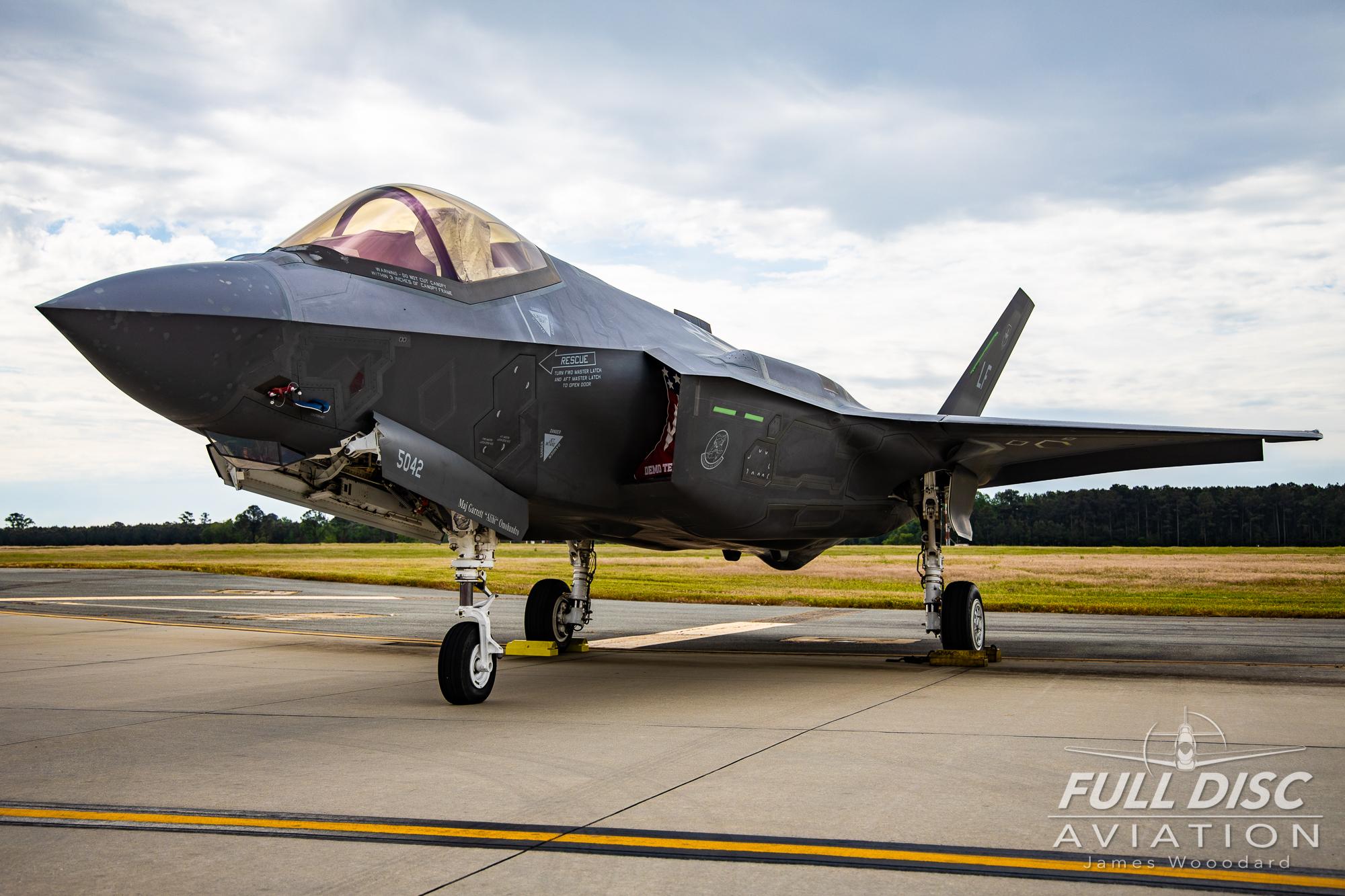 F35DemoTeam_FullDiscAviation_JamesWoodard-April 28, 2019-32.jpg