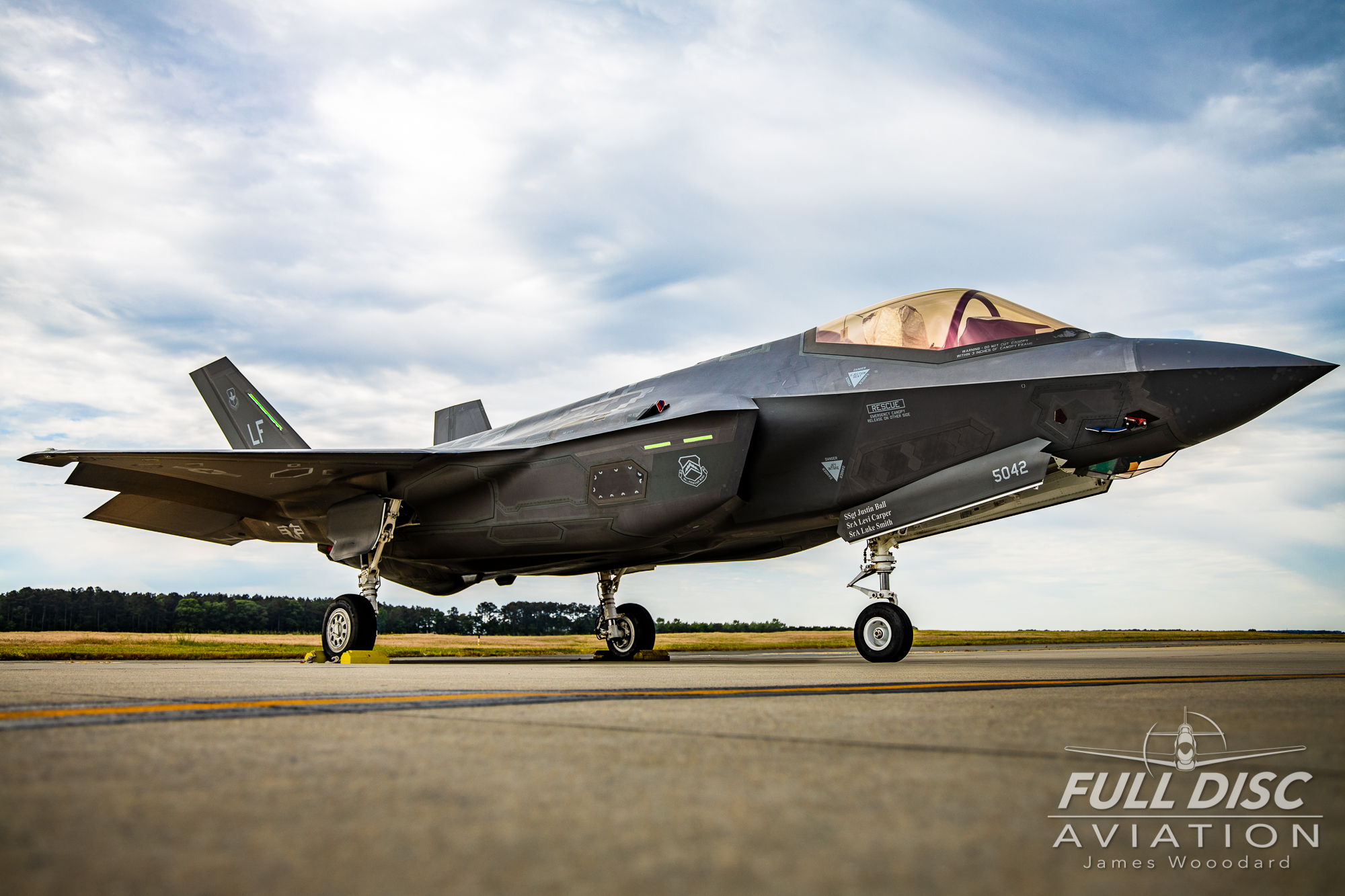 F35DemoTeam_FullDiscAviation_JamesWoodard-April 28, 2019-28.jpg