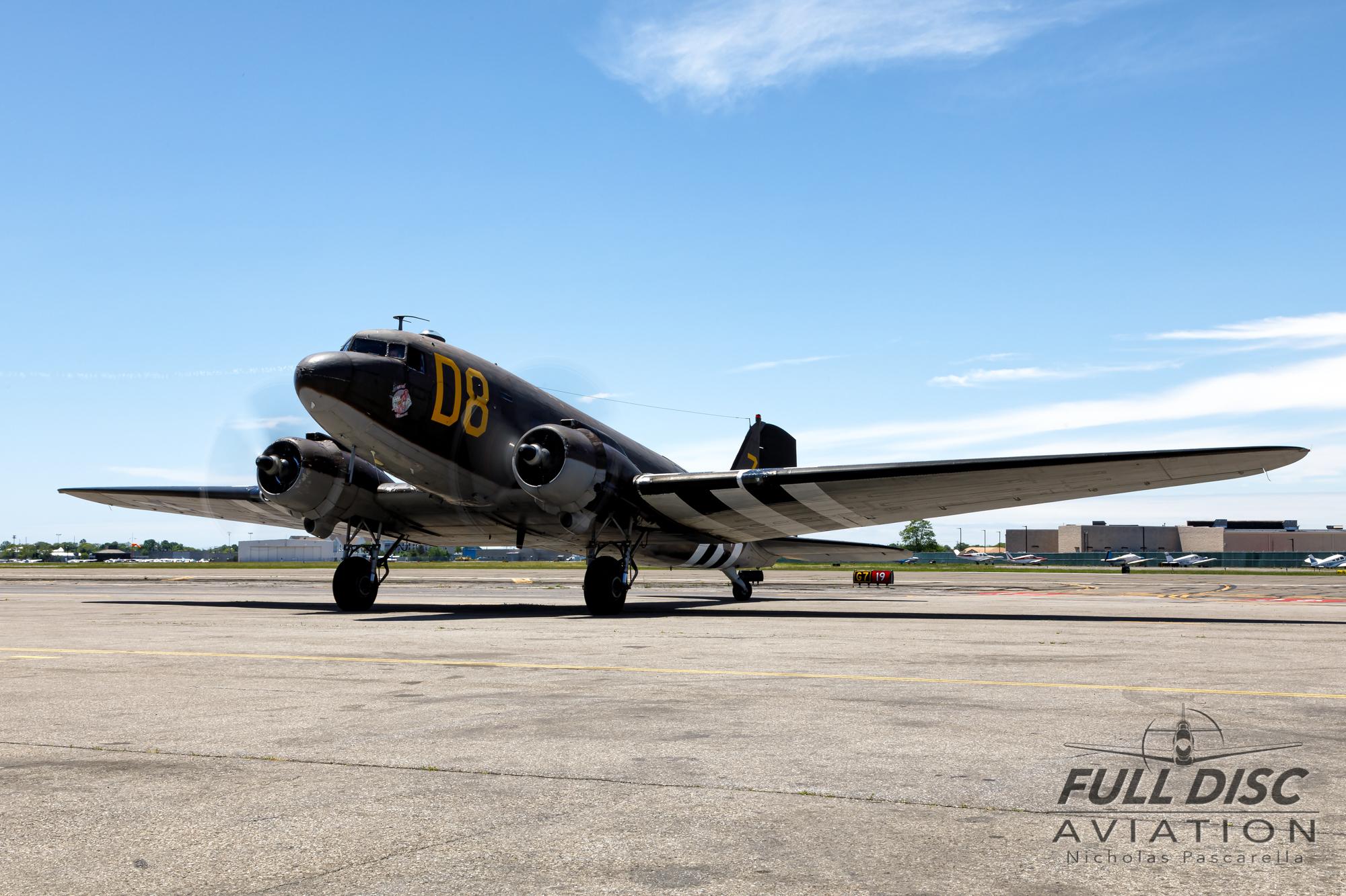 americanairpowermuseum_nicholaspascarella_nickpascarella_fulldiscaviation_legendsofairpower2019_aviation_warbird_c47_gooneybird_taxi.jpg