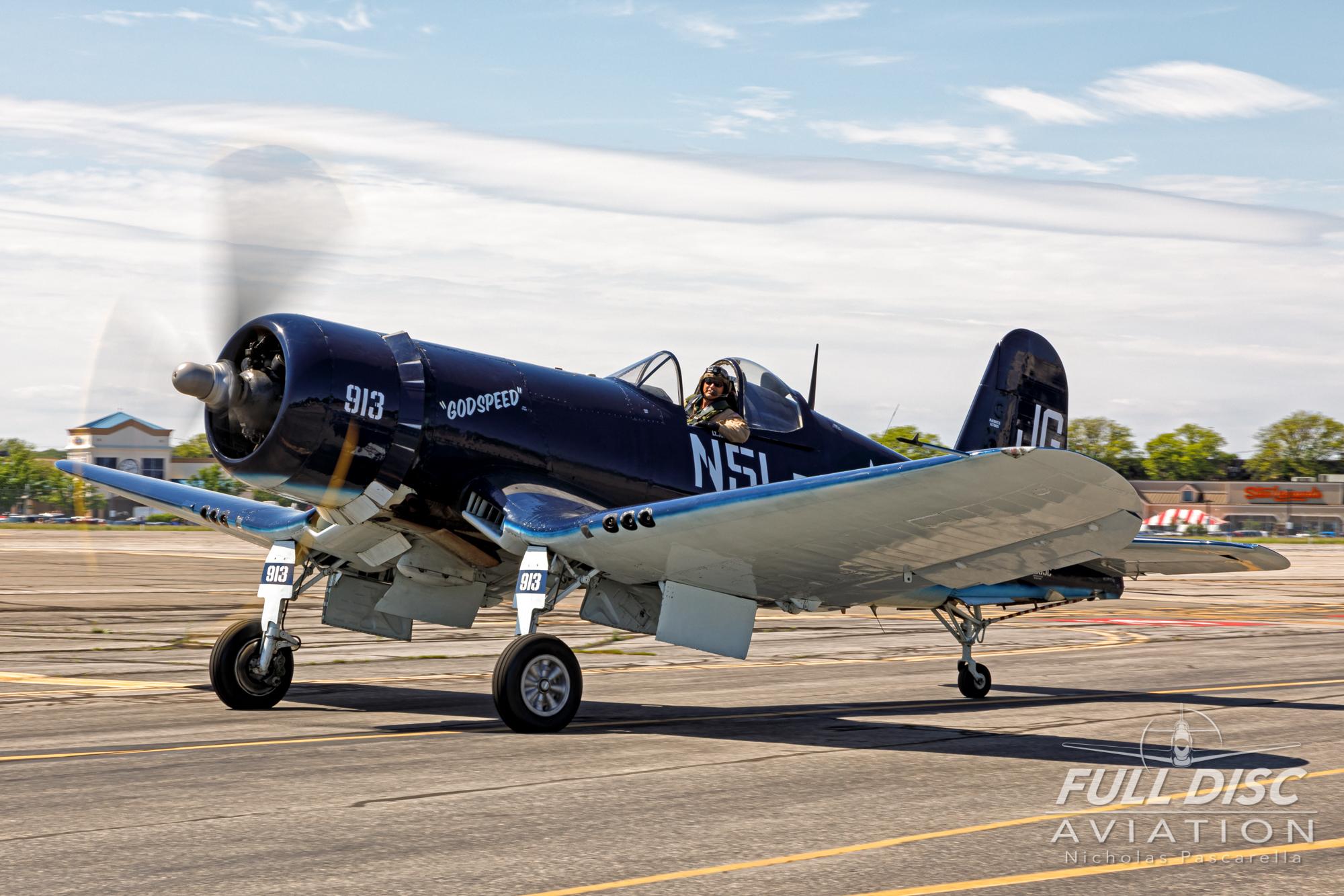americanairpowermuseum_nicholaspascarella_nickpascarella_fulldiscaviation_legendsofairpower2019_aviation_warbird_corsair_f4u_godspeed_taxi.jpg