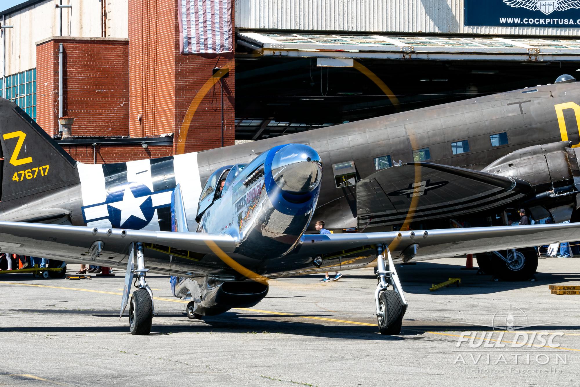 americanairpowermuseum_nicholaspascarella_nickpascarella_fulldiscaviation_legendsofairpower2019_aviation_warbird_mustang_idle_shiny_c47.jpg