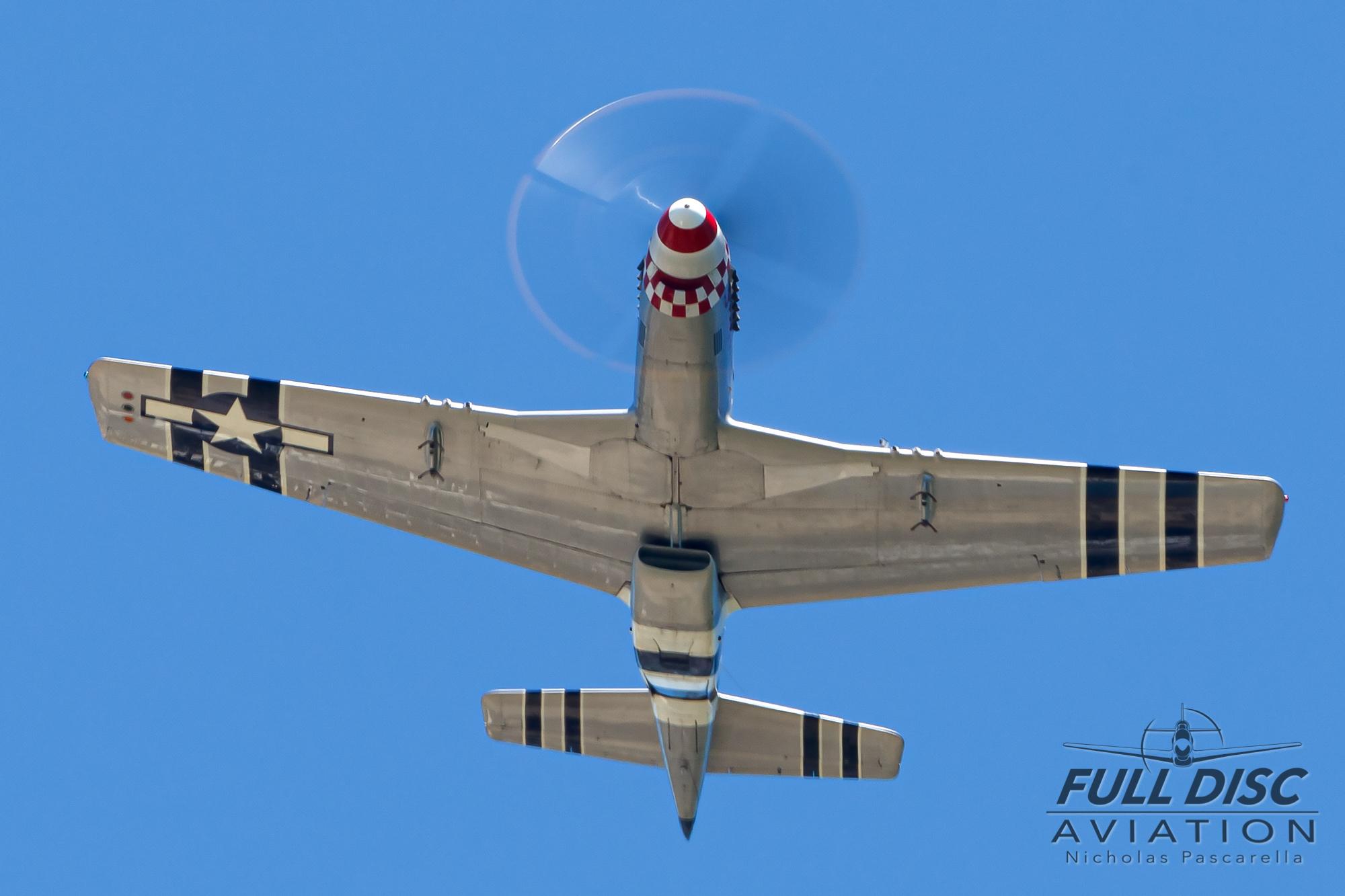 americanairpowermuseum_nicholaspascarella_nickpascarella_fulldiscaviation_legendsofairpower2019_aviation_warbird_p51_mustang_overhead_fighteraircraft.jpg