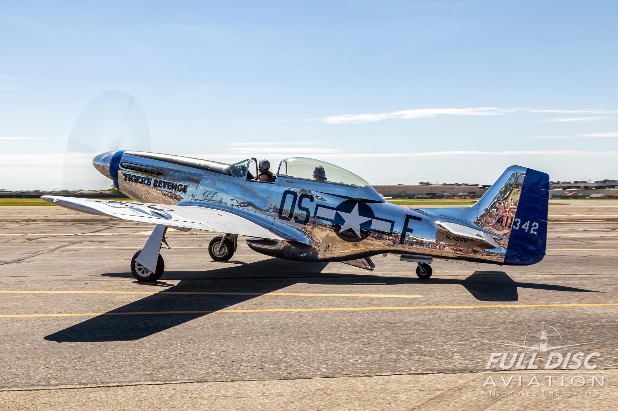 americanairpowermuseum_nicholaspascarella_nickpascarella_fulldiscaviation_legendsofairpower2019_aviation_warbird_p51mustang_shiny_polished_taxi_.jpg