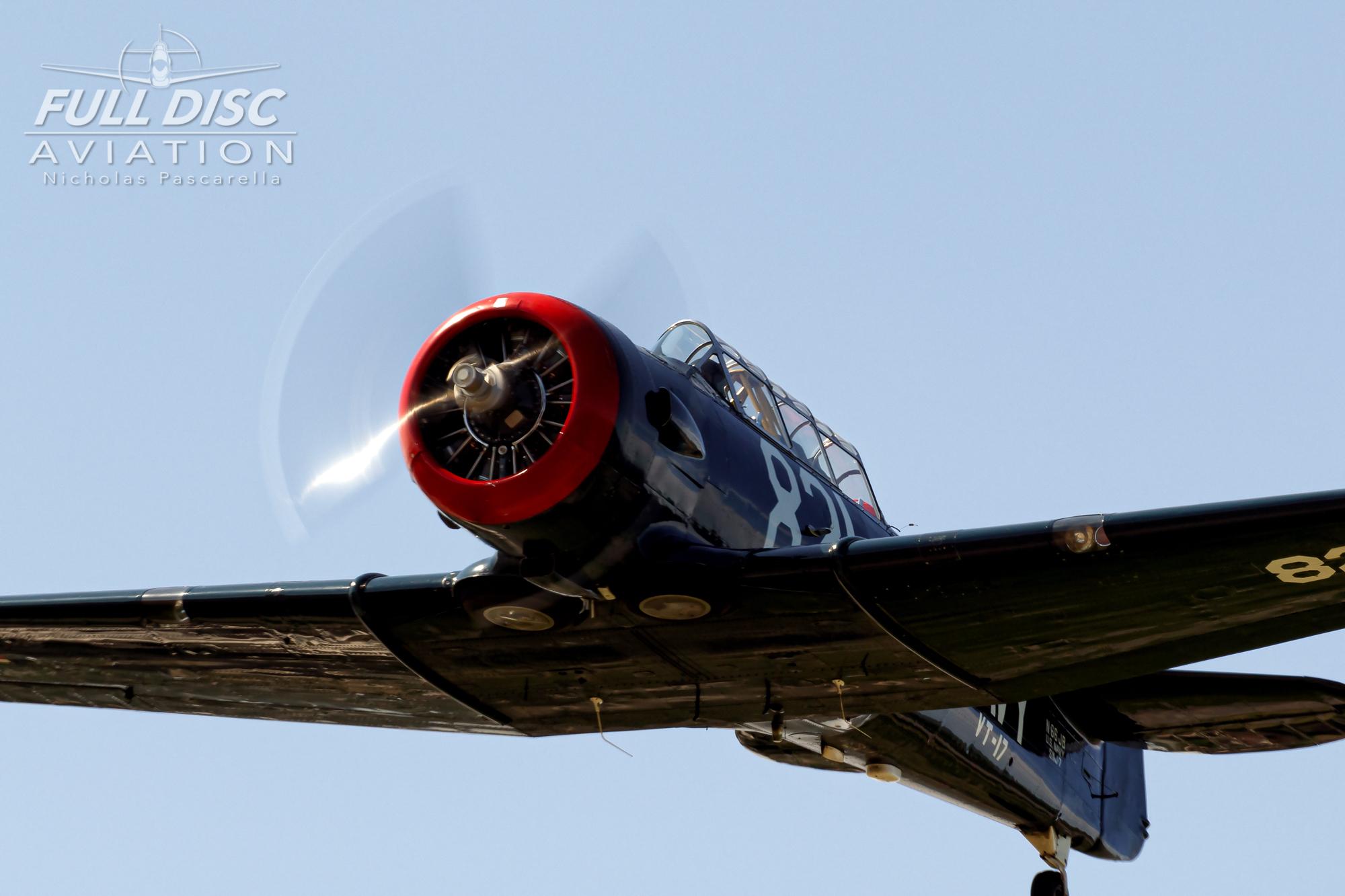 americanairpowermuseum_nicholaspascarella_nickpascarella_fulldiscaviation_legendsofairpower2019_aviation_warbird_t6_flyover_texan_black.jpg
